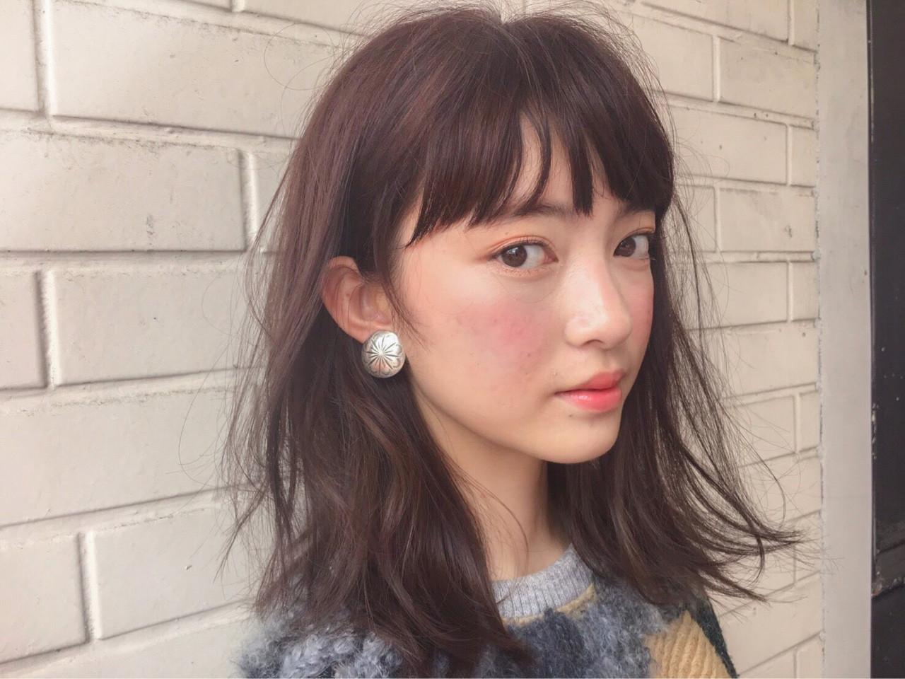 パーマ インナーカラー ミディアム モード ヘアスタイルや髪型の写真・画像 | lora.garden 細田真吾 / lora.garden