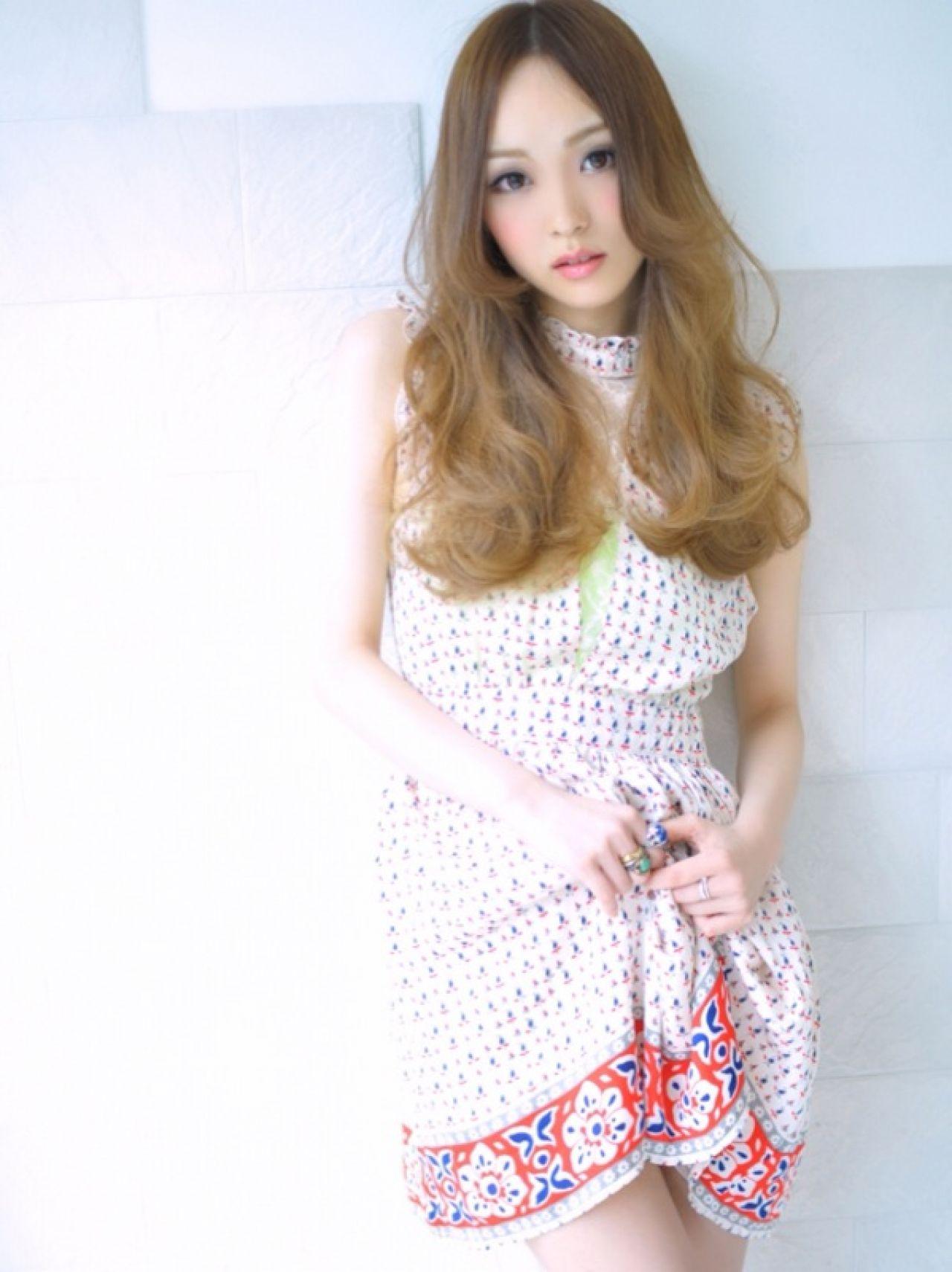 ロング モテ髪 グラデーションカラー フェミニン ヘアスタイルや髪型の写真・画像 | 芹原友則 / bonheur