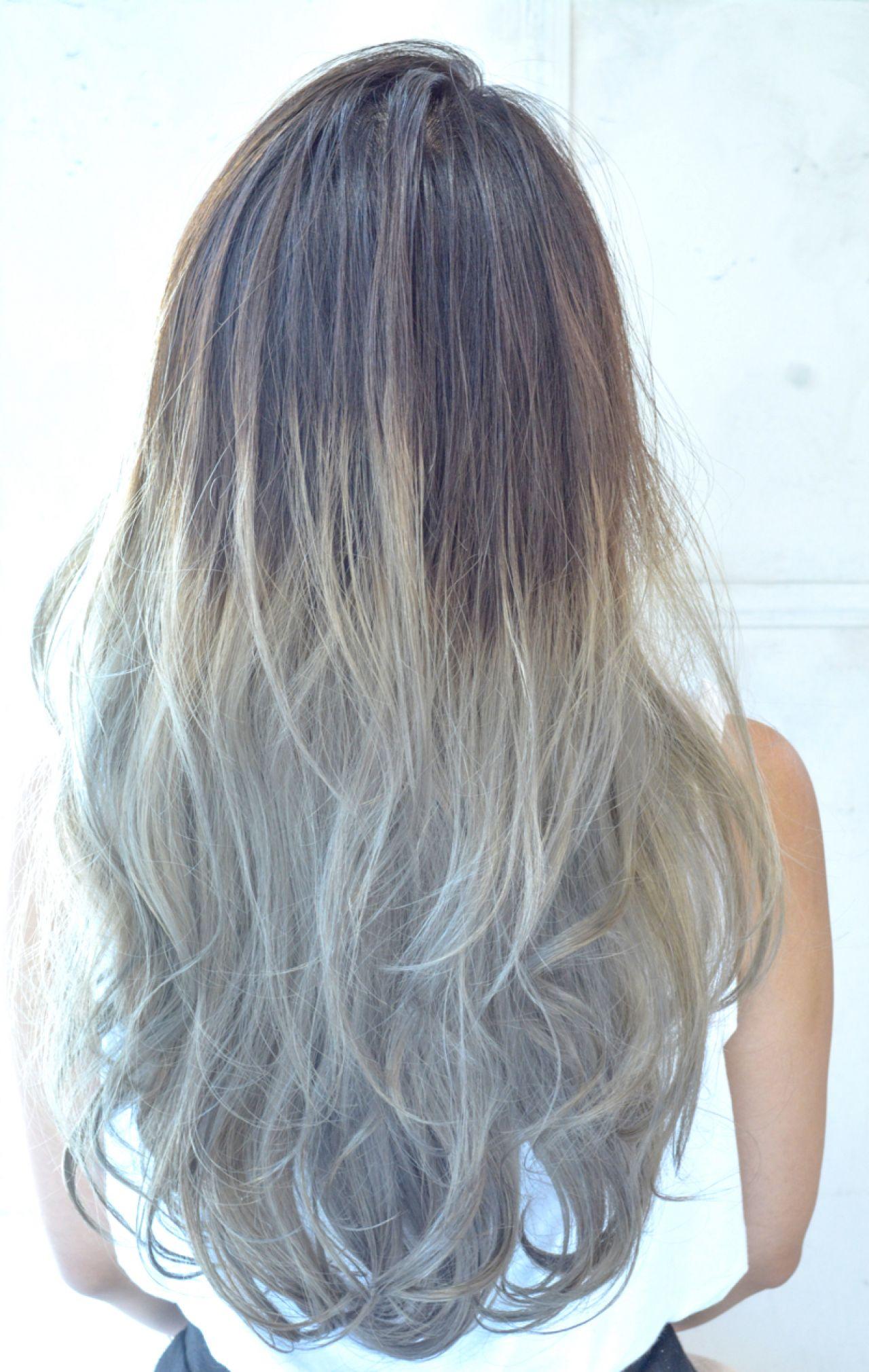 アッシュ グラデーションカラー 黒髪 ストリートヘアスタイルや髪型の写真・画像