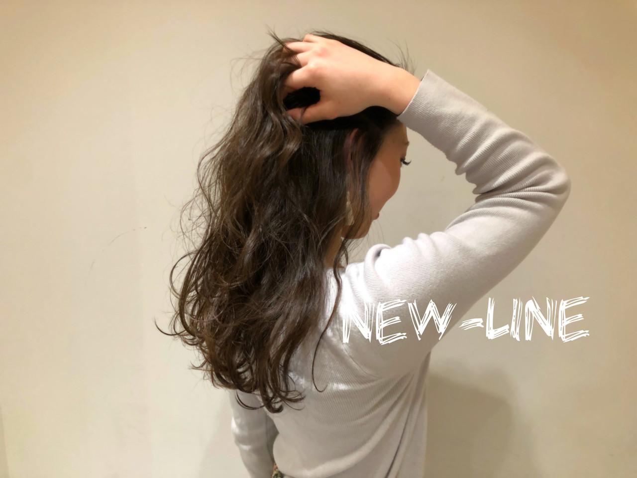 結婚式 波ウェーブ セミロング 大人かわいい ヘアスタイルや髪型の写真・画像 | YUKA / NEWLINE
