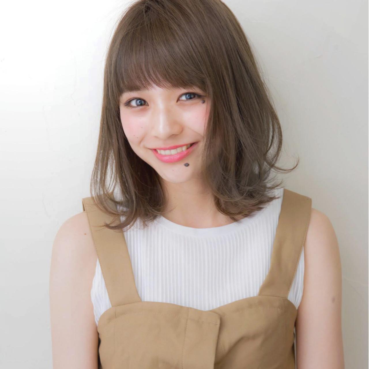 透明感 ヘアアレンジ ミディアム ナチュラル ヘアスタイルや髪型の写真・画像 | 吉田伊織 / NEUTRAL produced by GARDEN
