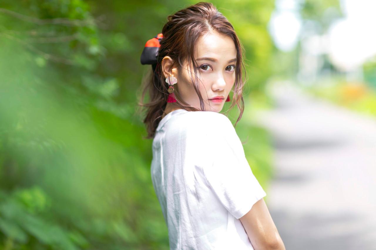 アンニュイほつれヘア ヘアアレンジ ナチュラル 簡単ヘアアレンジヘアスタイルや髪型の写真・画像