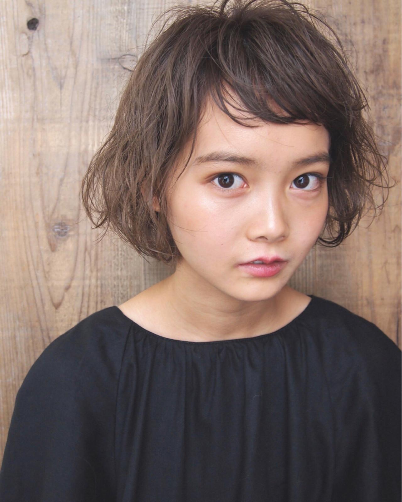 ショートバング パーマ ゆるふわ アッシュ ヘアスタイルや髪型の写真・画像 | UEKI/nanuk / nanuk二子玉川