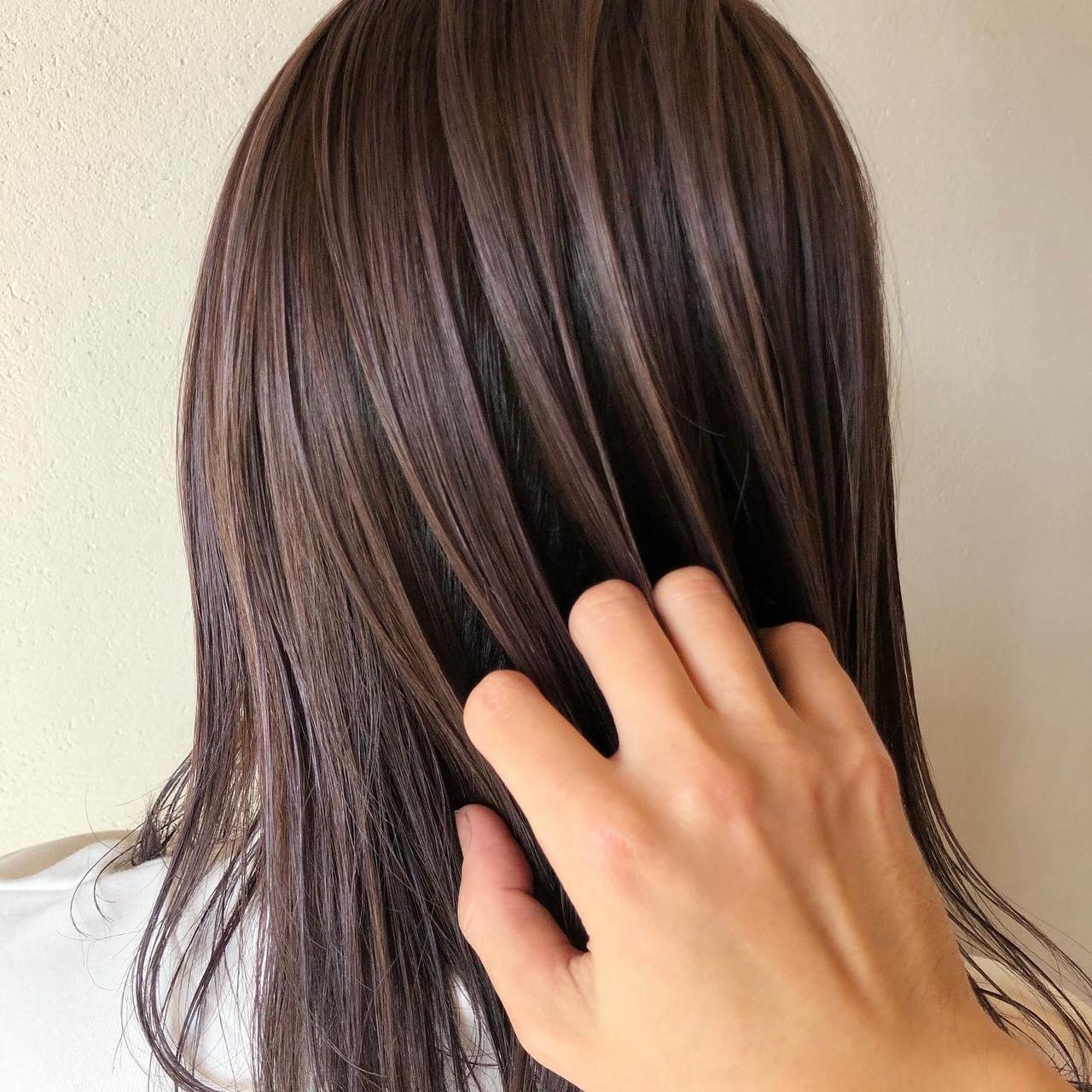 ハイライト 地毛ハイライト 大人ハイライト セミロングヘアスタイルや髪型の写真・画像