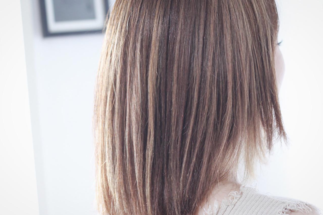3Dハイライト アッシュグレージュ ナチュラル セミロング ヘアスタイルや髪型の写真・画像 | creap / creap