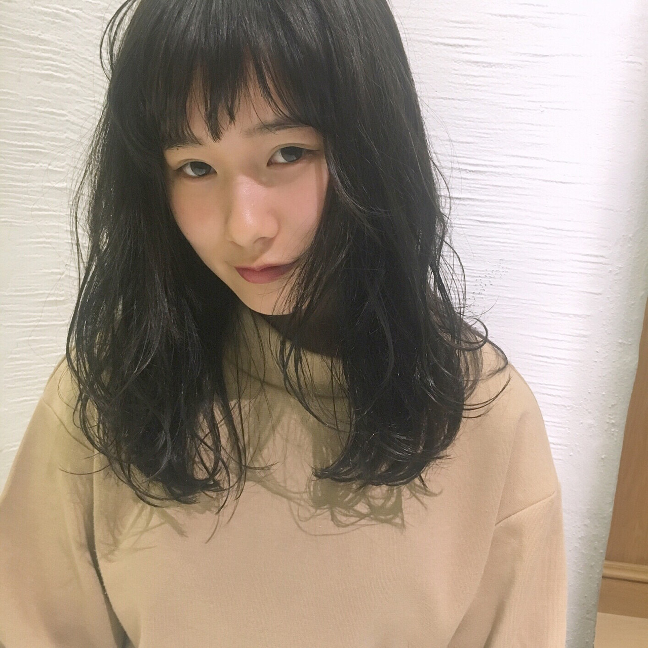 パーマでレベルアップ!無敵のかわいさ♡黒髪セミロング 岩田 和也 / NOESALON