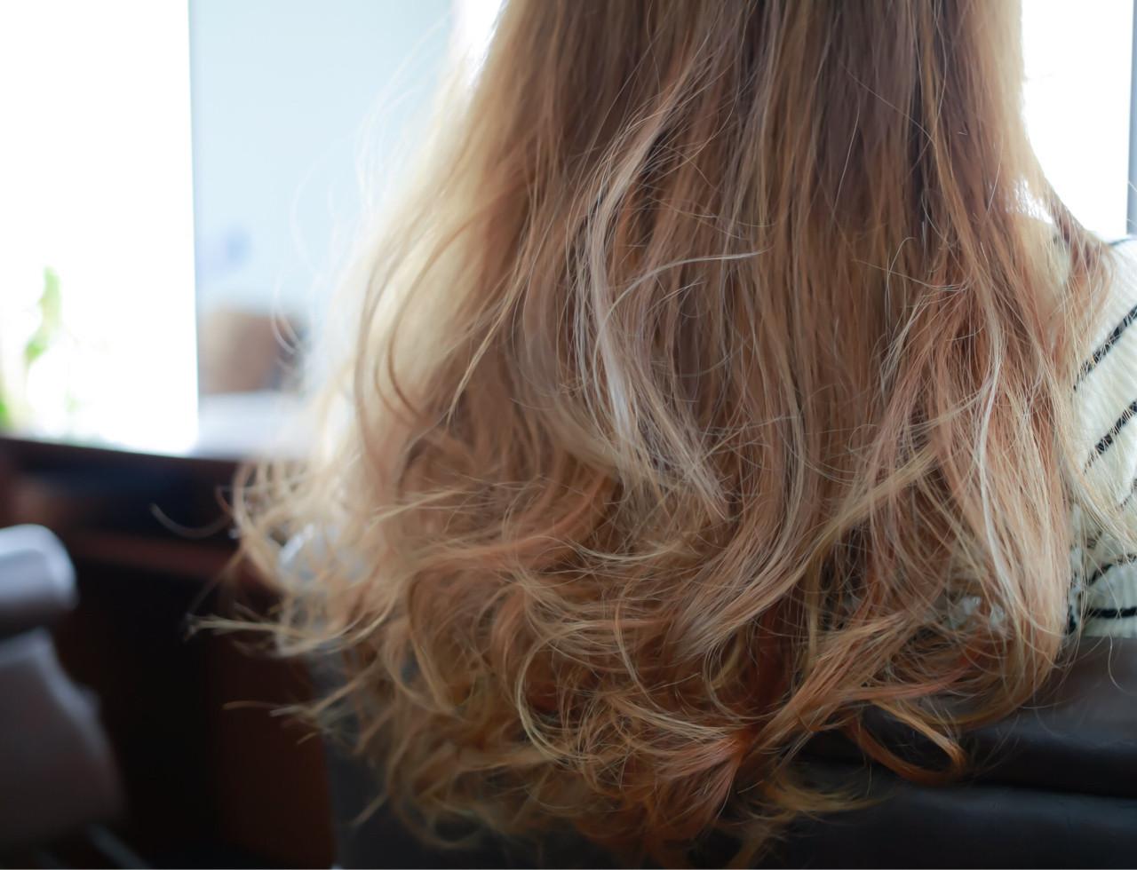 セミロング グレージュ ダブルカラー グラデーションカラー ヘアスタイルや髪型の写真・画像 | 小笠原 淳 / hair make No.8(ヘアメイクエイト)