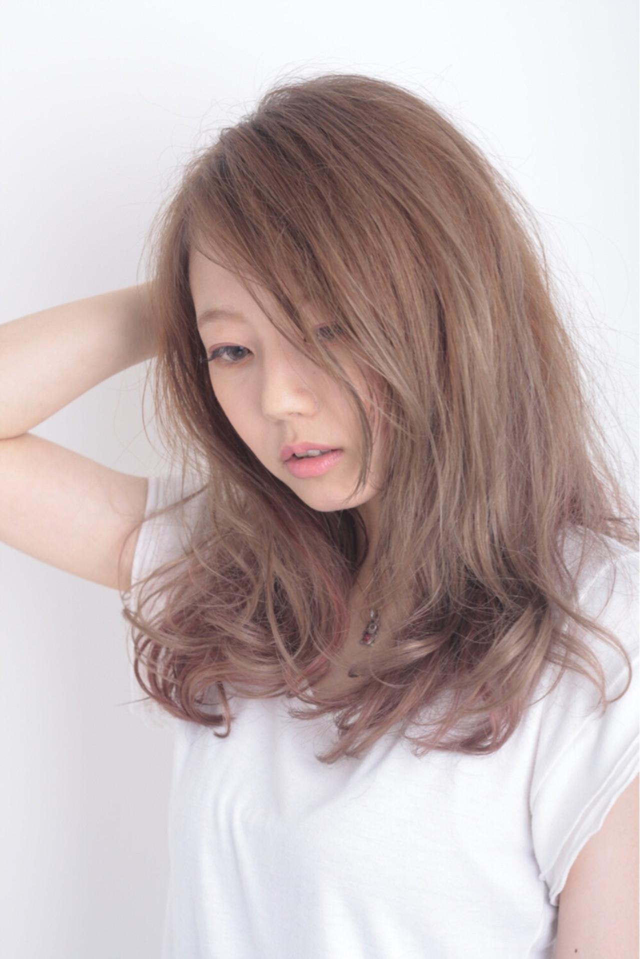ラフ 大人かわいい ナチュラル ピンクヘアスタイルや髪型の写真・画像