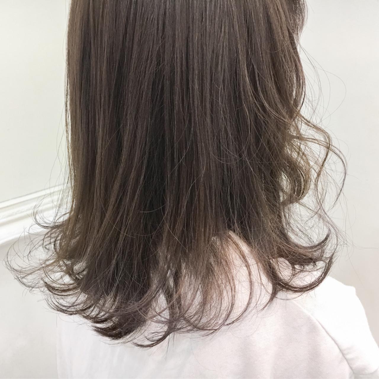 透明感 セミロング 冬 秋ヘアスタイルや髪型の写真・画像