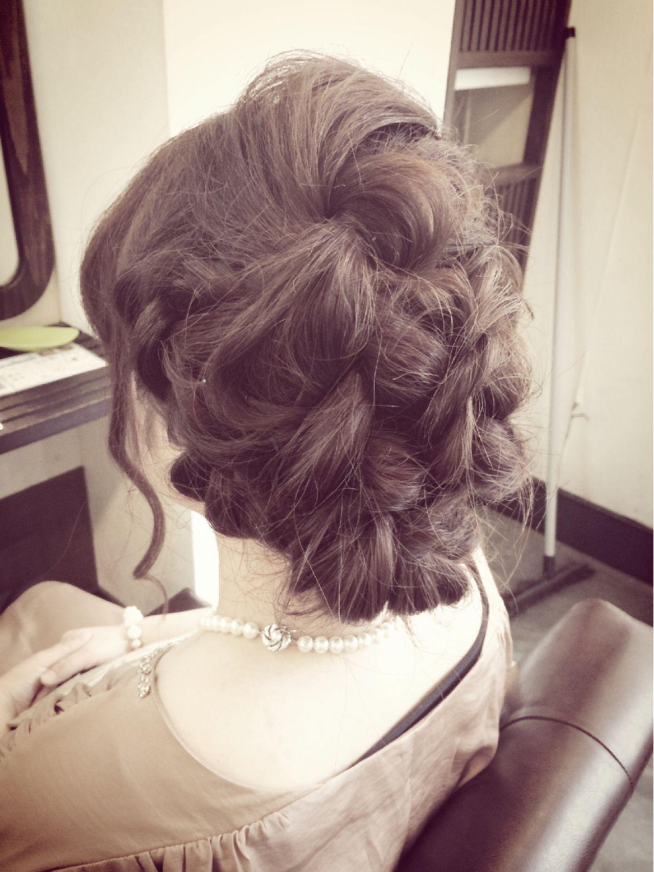 編み込み 結婚式 ねじり コンサバ ヘアスタイルや髪型の写真・画像 | 田渕 英和/vicushair / vicushair
