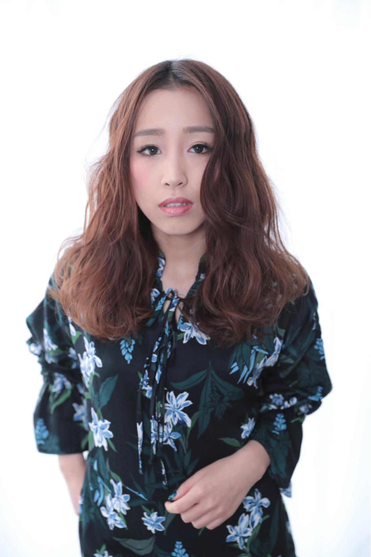 愛され ロング かわいい ナチュラル ヘアスタイルや髪型の写真・画像   三田村綾香 /