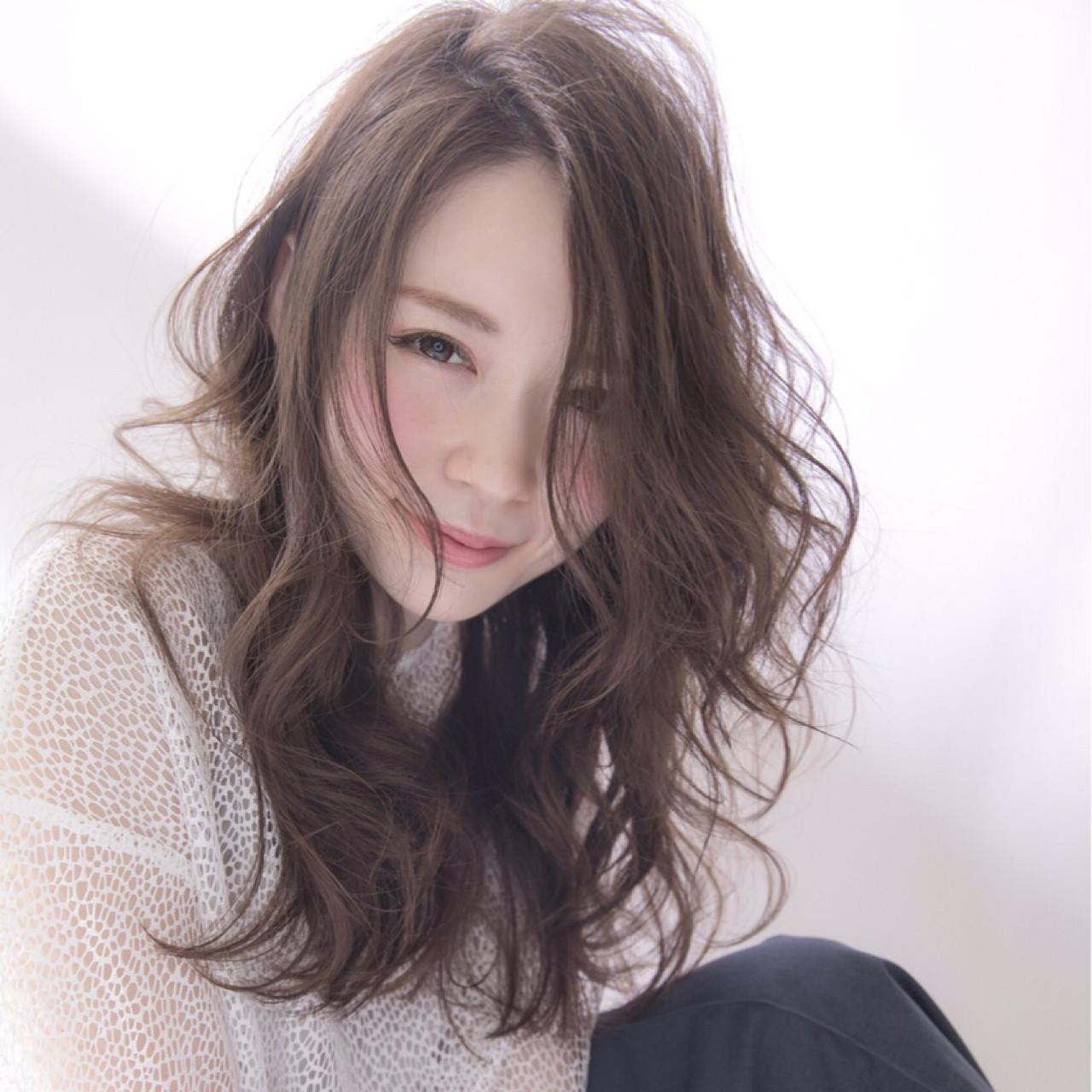 女子会 グレージュ セミロング 外国人風 ヘアスタイルや髪型の写真・画像 | 高橋 アリサ /