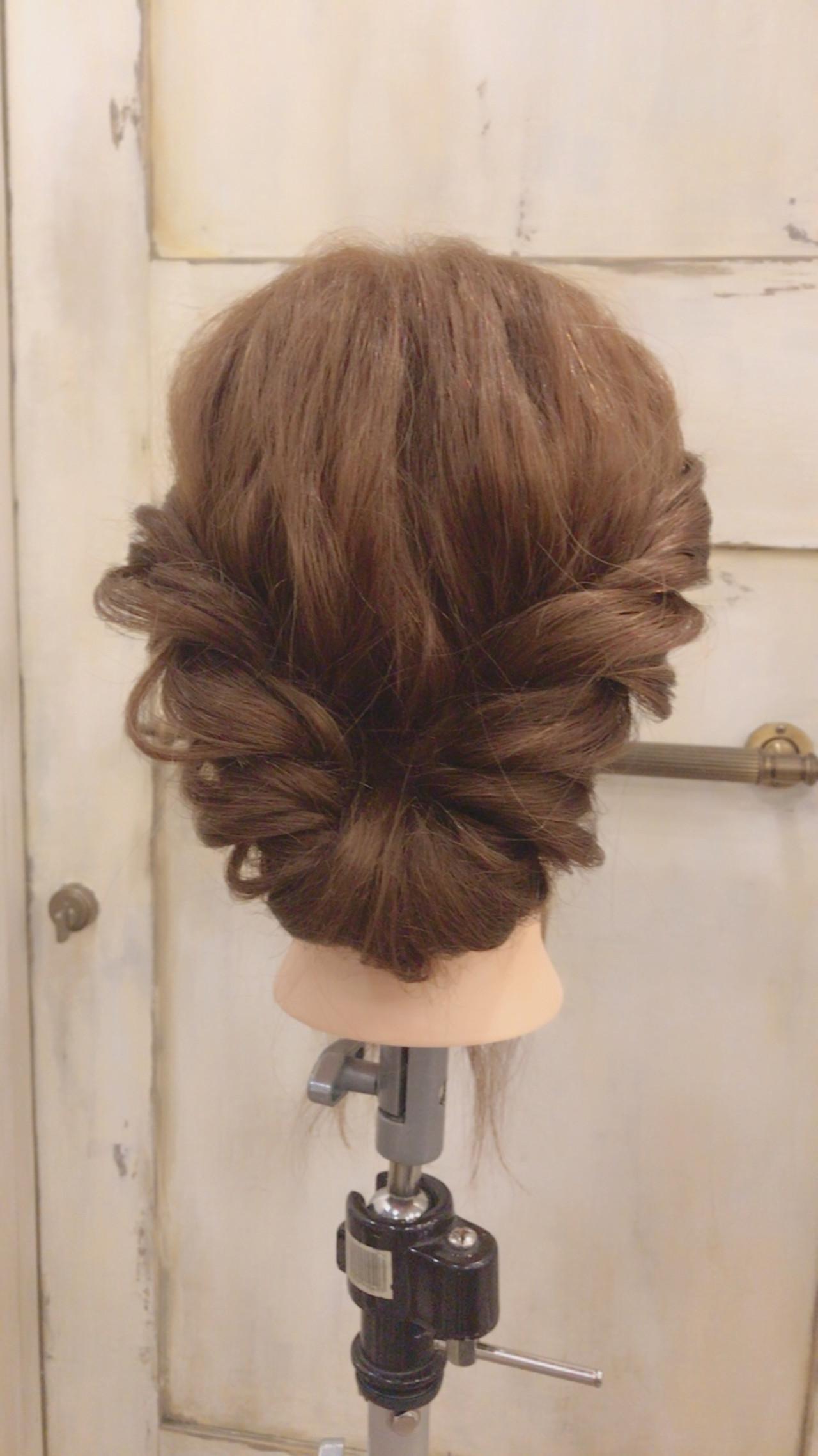 簡単ヘアアレンジ 大人女子 ショート 結婚式 ヘアスタイルや髪型の写真・画像 | 伊藤絵里子 / moon hair styling salon