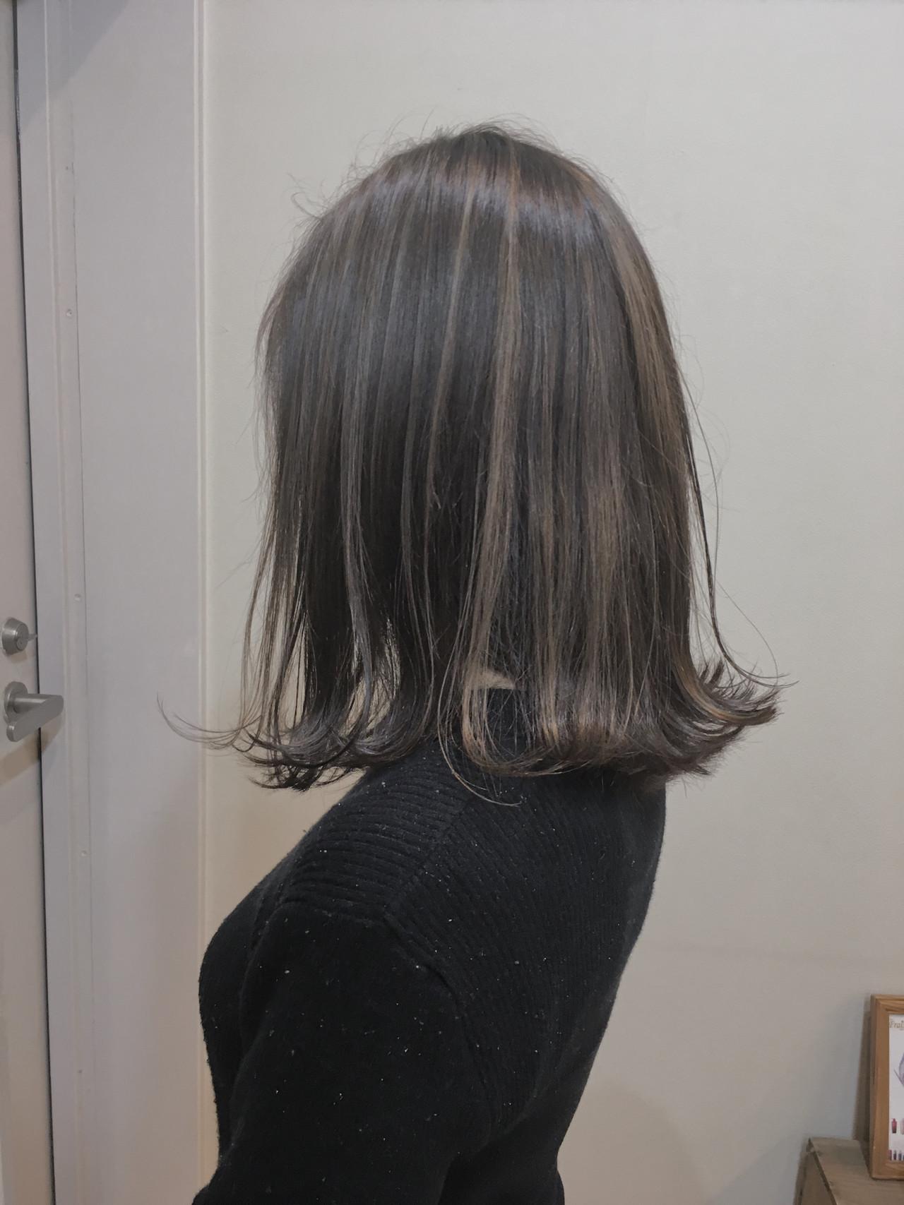 ショートボブ ミディアム 大人ハイライト バレイヤージュヘアスタイルや髪型の写真・画像