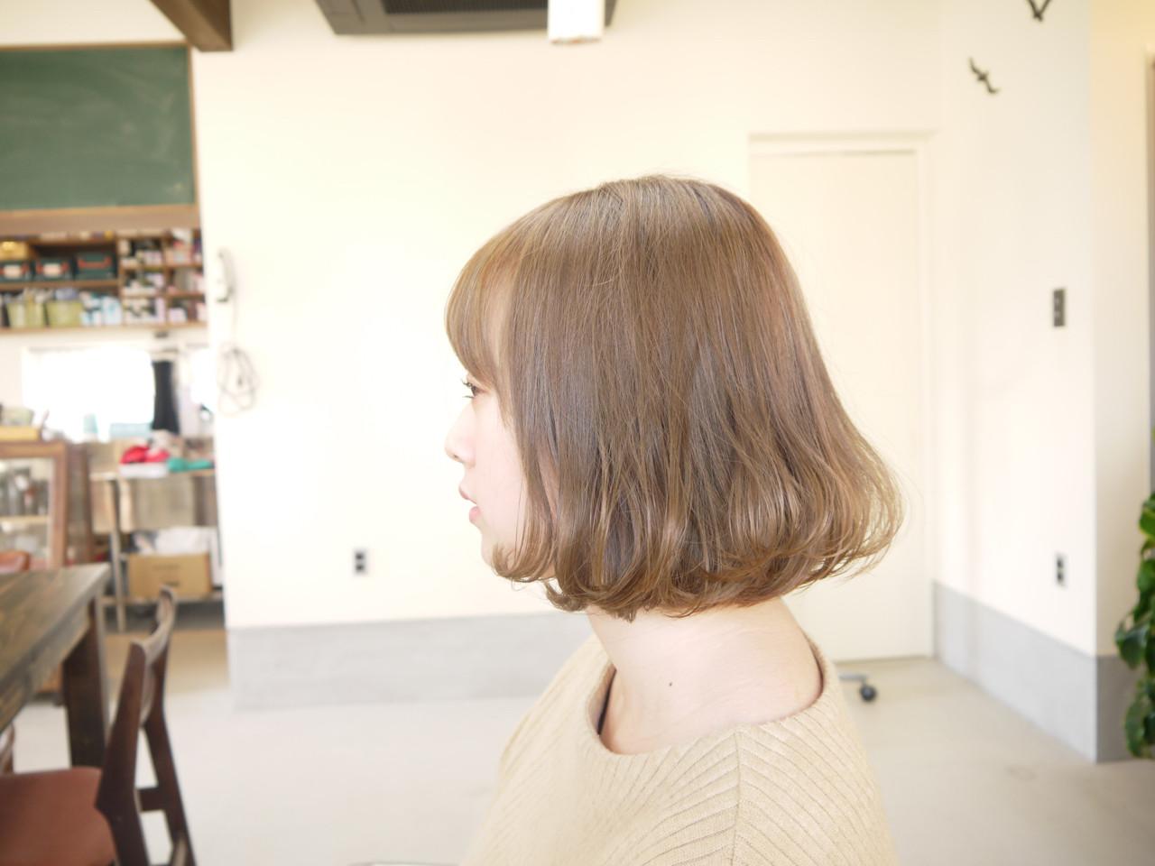 ナチュラル ベージュ ダブルカラー ボブ ヘアスタイルや髪型の写真・画像 | iwamoto atsushi / kamome. / カモメ美容室