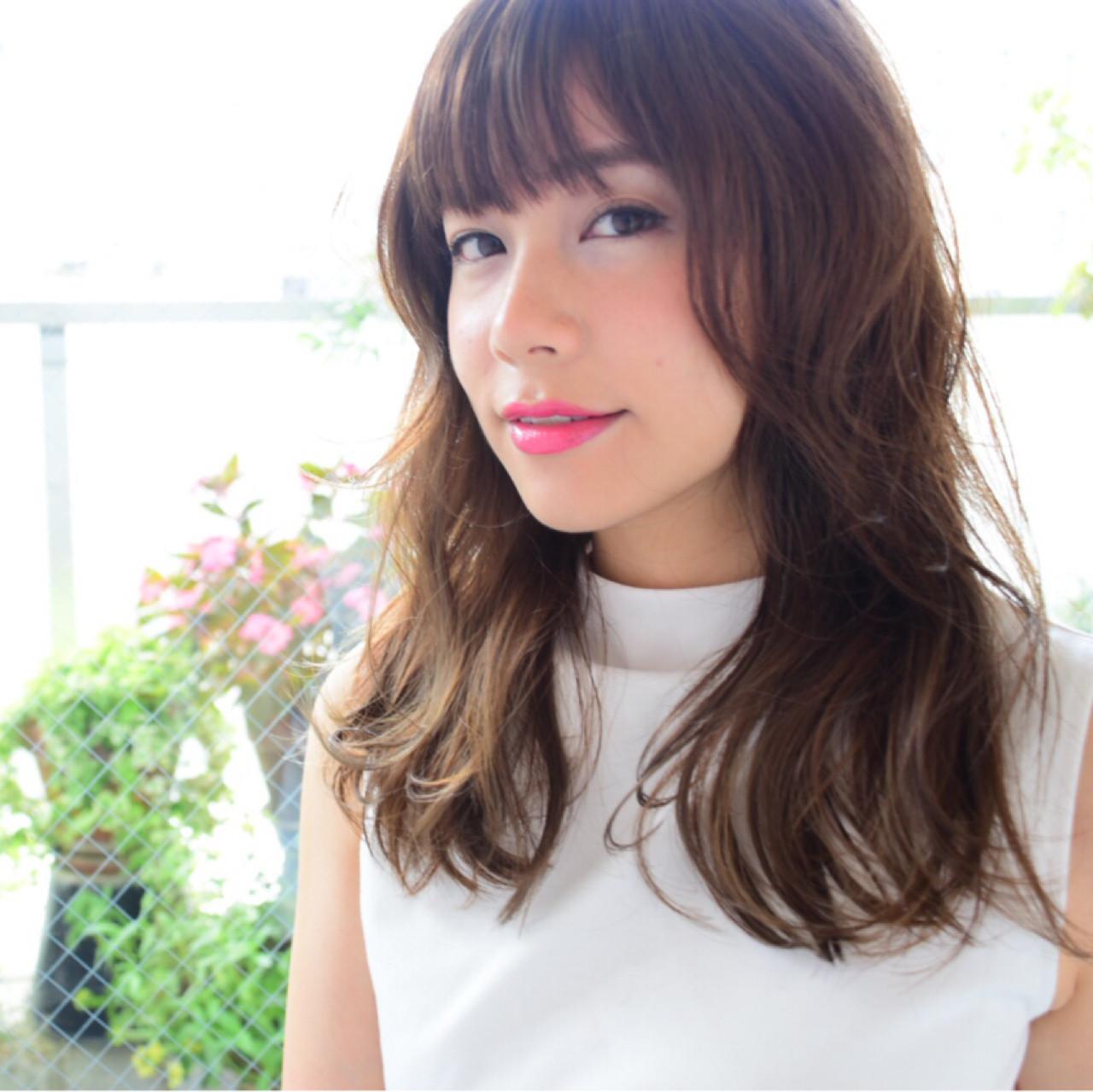 前髪あり フェミニン 大人かわいい くせ毛風 ヘアスタイルや髪型の写真・画像 | 安東裕子 / kchiara
