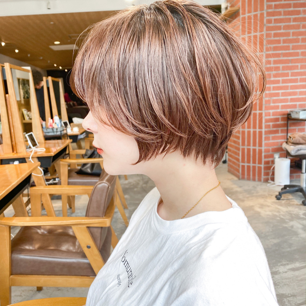 切りっぱなしボブ ナチュラル ショート 大人可愛い ヘアスタイルや髪型の写真・画像 | GARDEN harajuku 塩見 / GARDEN harajuku