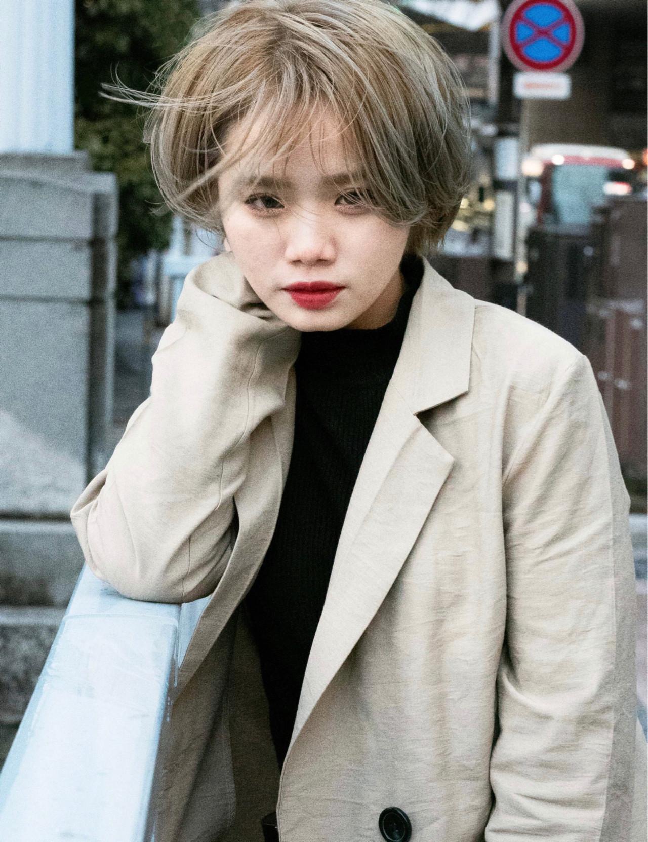 ショート ハンサムショート ホワイトハイライト ショートボブ ヘアスタイルや髪型の写真・画像 | ニシモリ ショウヘイ / 583koyomi