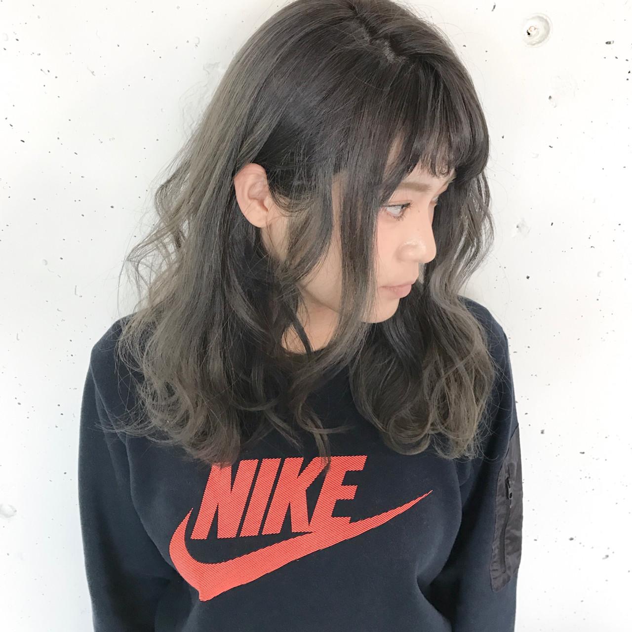 ミルクティー デート セミロング こなれ感 ヘアスタイルや髪型の写真・画像 | 長谷川 聖太 / sowi hair design  (ソーイ)