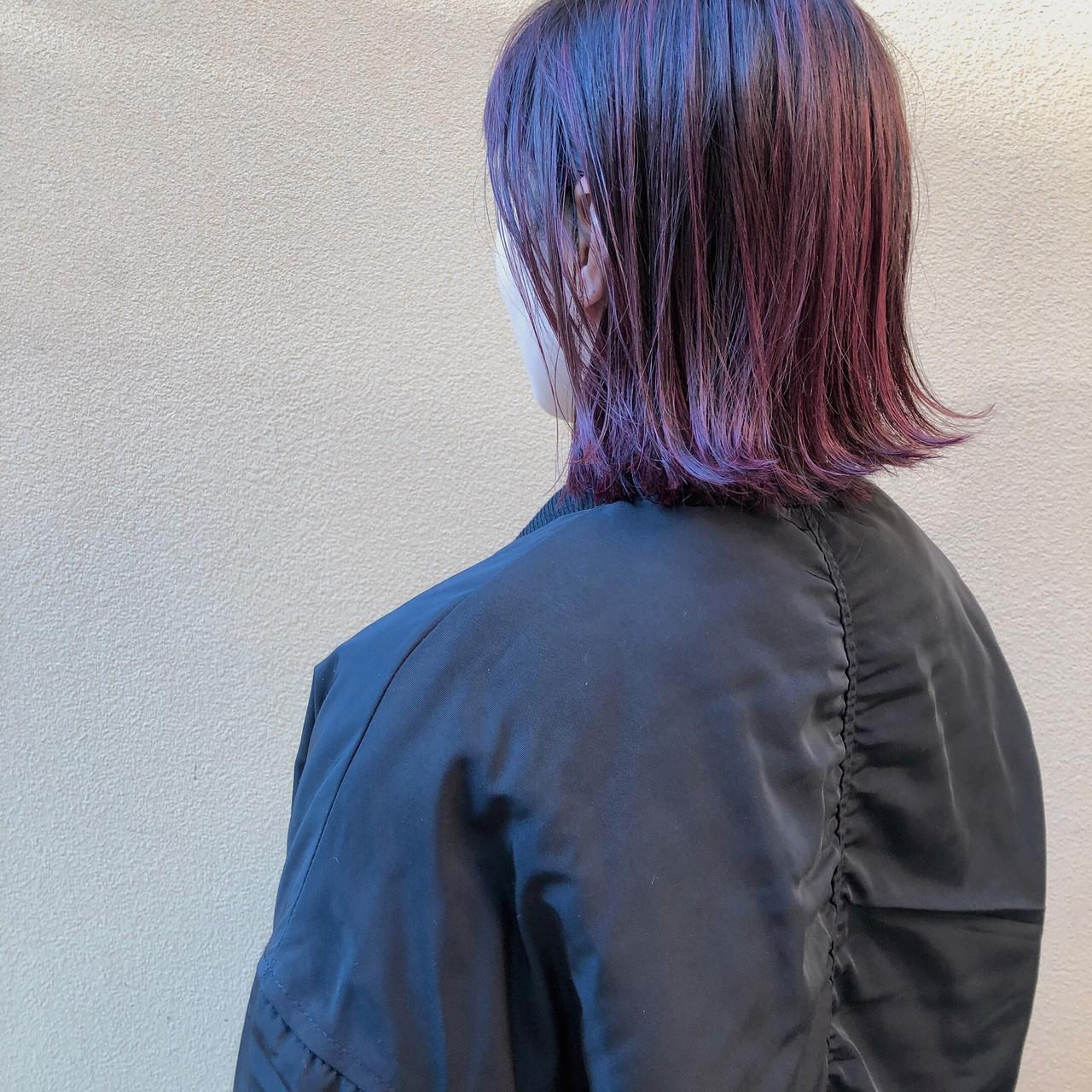 切りっぱなしボブ ストリート ピンクバイオレット 外ハネボブヘアスタイルや髪型の写真・画像