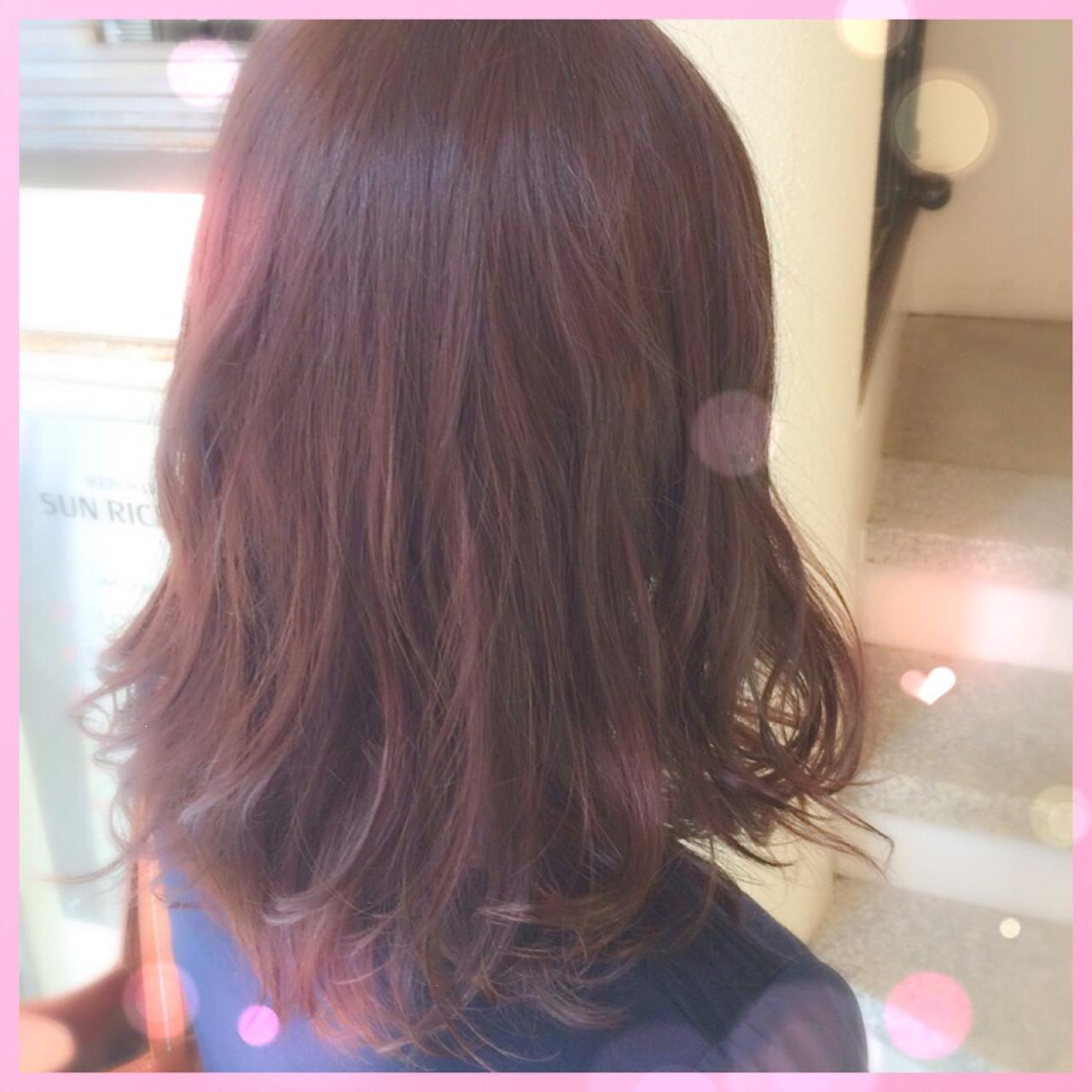 ミディアム ピンク ナチュラル ピンクアッシュヘアスタイルや髪型の写真・画像