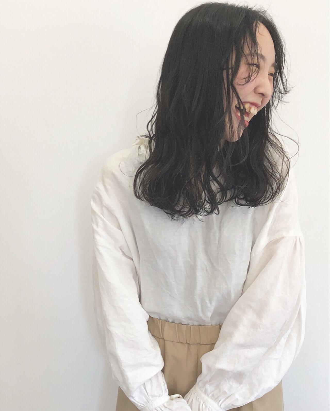 黒髪 ロング 大人女子 ウェーブ ヘアスタイルや髪型の写真・画像 | 沖 千春 / niko hair
