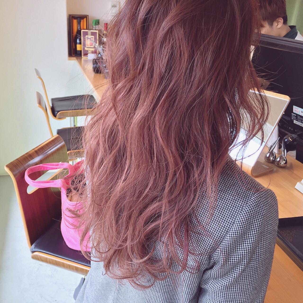 ピンク ハイライト ストリート セミロングヘアスタイルや髪型の写真・画像