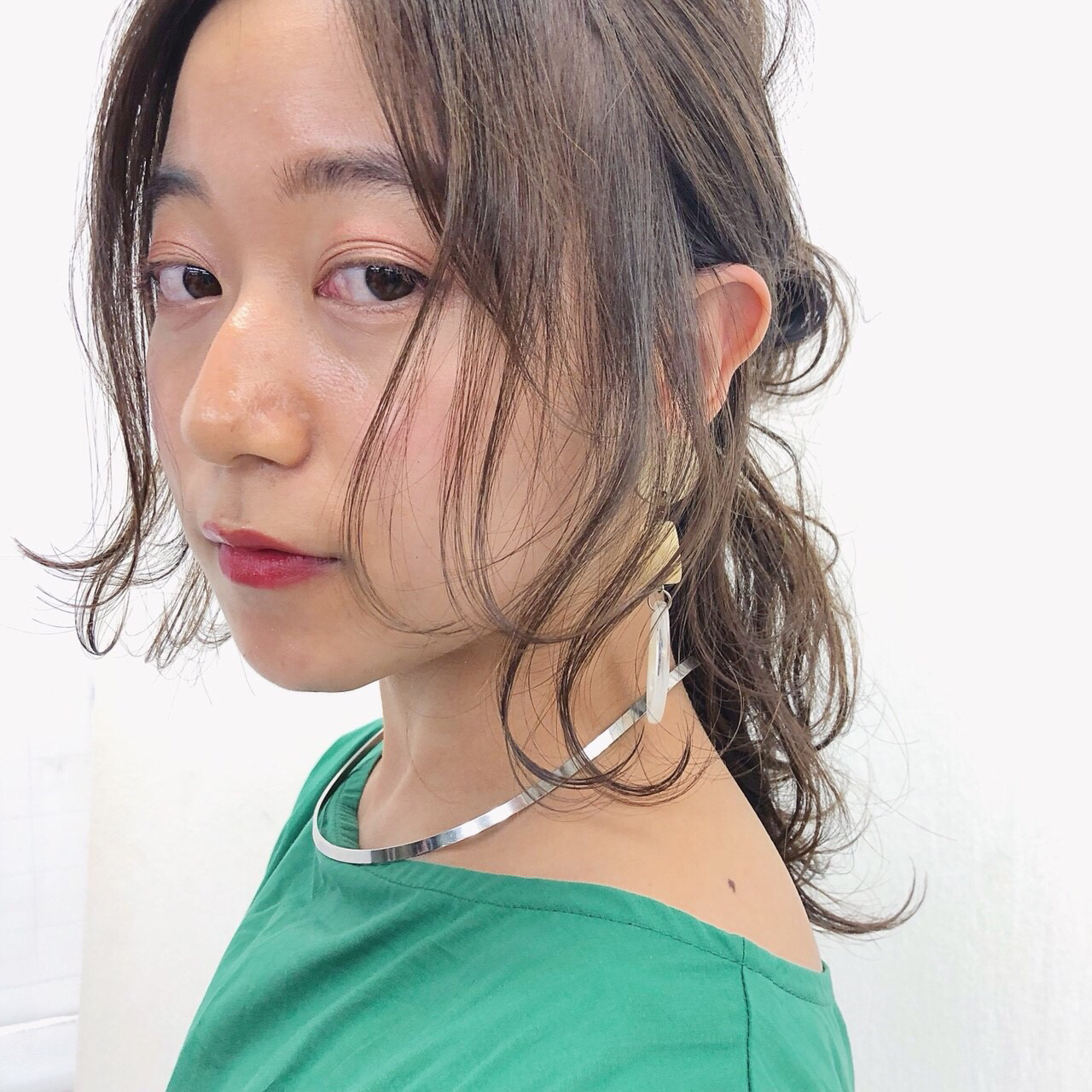 セミロング 夏 ヘアアレンジ 大人かわいい ヘアスタイルや髪型の写真・画像 | 伊藤愛子 GARDEN / GARDEN  omotesando