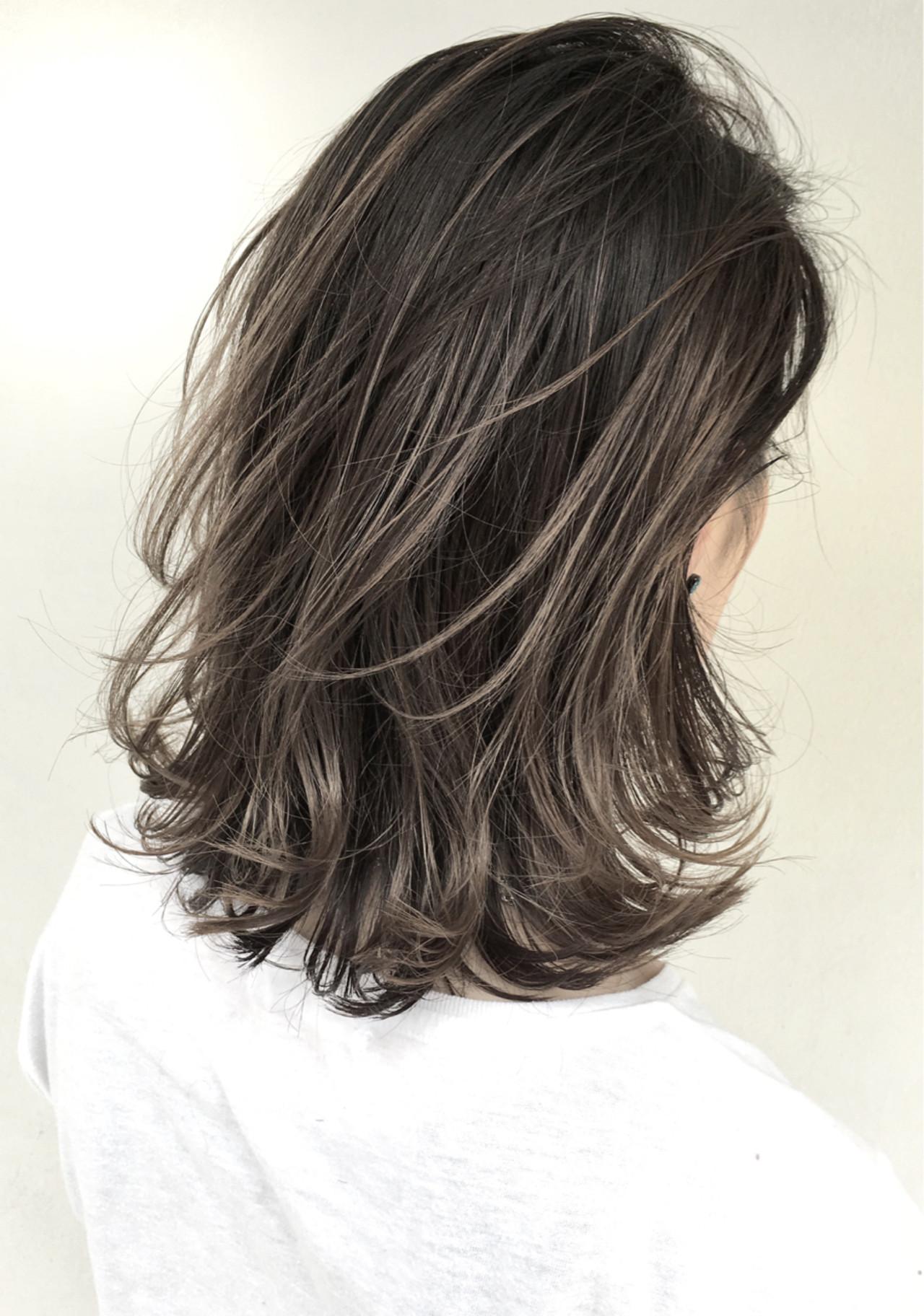 外国人風 ミディアム グレージュ ハイライト ヘアスタイルや髪型の写真・画像 | 仲澤 武 tornado / tornado  トルネード