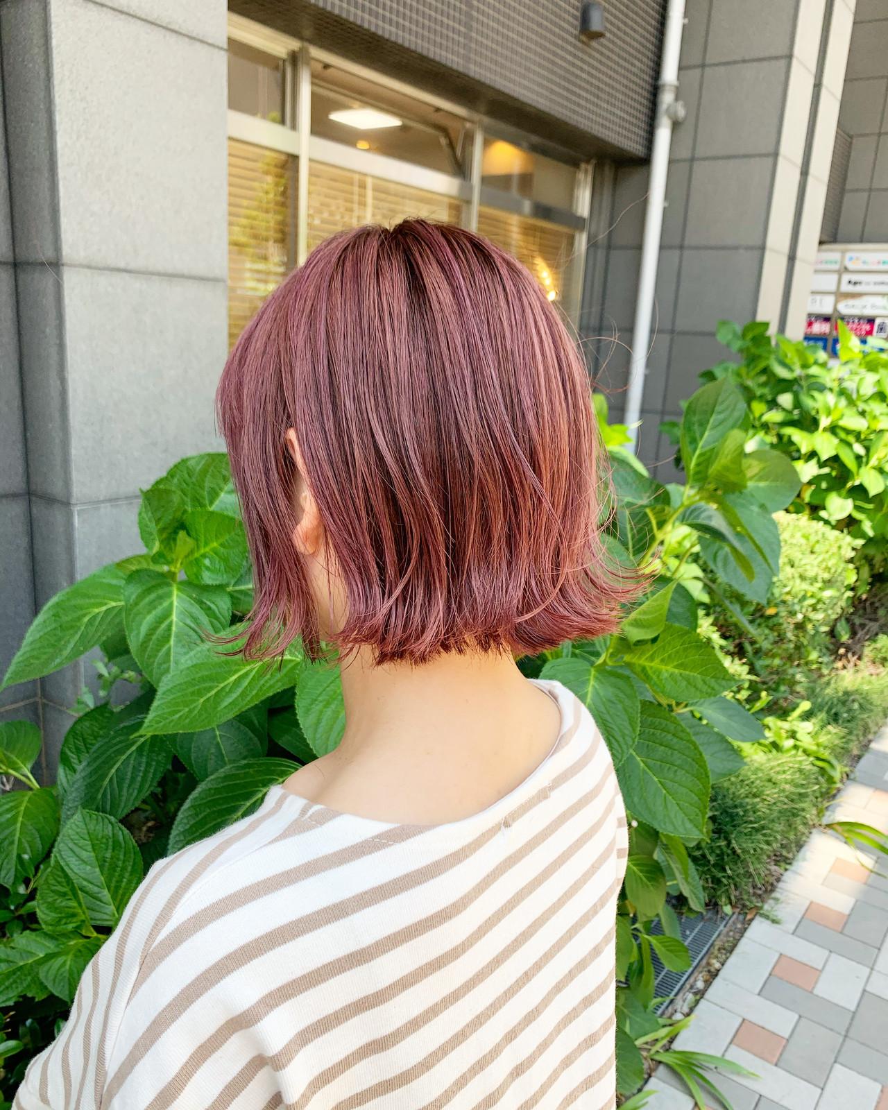 ピンクアッシュ ストリート ピンクベージュ ボブヘアスタイルや髪型の写真・画像