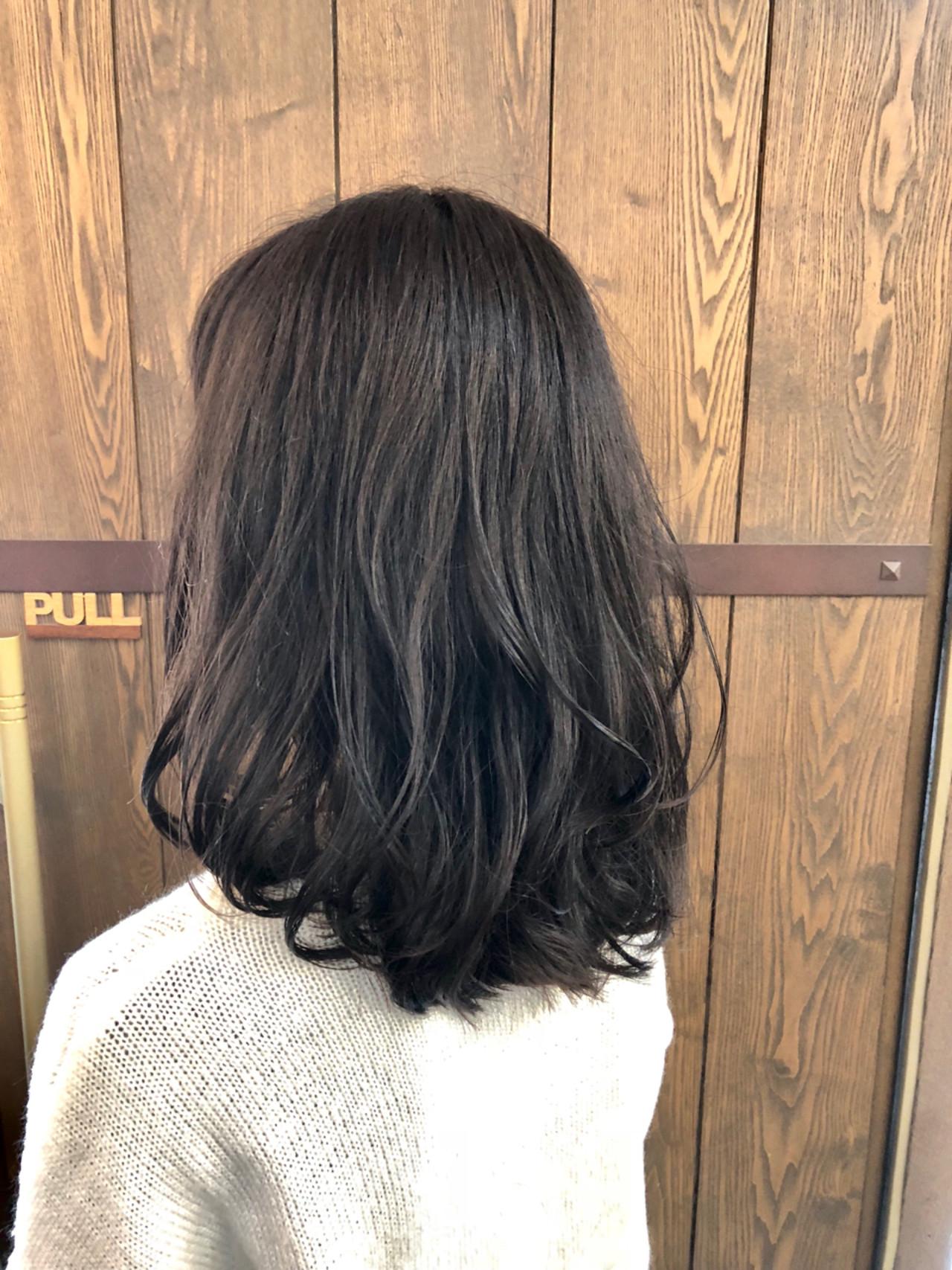 ミディアム ナチュラル 春 暗髪ヘアスタイルや髪型の写真・画像