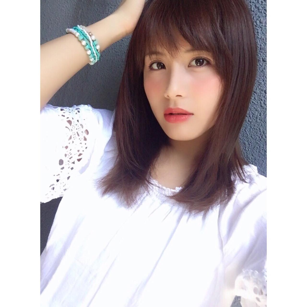ミディアム 抜け感 ミルクティー 大人かわいい ヘアスタイルや髪型の写真・画像 | サン /