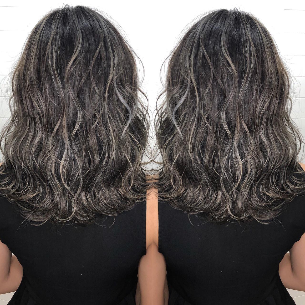 グラデーションカラー ハイライト ミディアム 外国人風カラーヘアスタイルや髪型の写真・画像