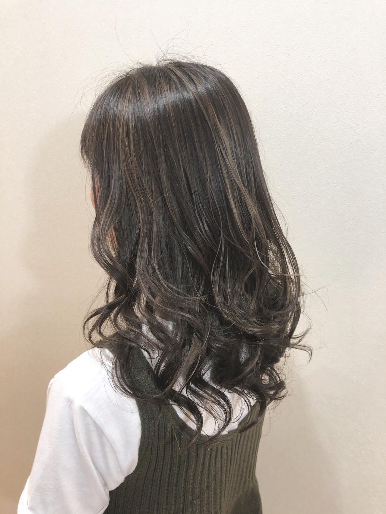 外国人風カラー 外国人風 グレージュ ロング ヘアスタイルや髪型の写真・画像   比嘉一喜 / ar hair (アールヘア)