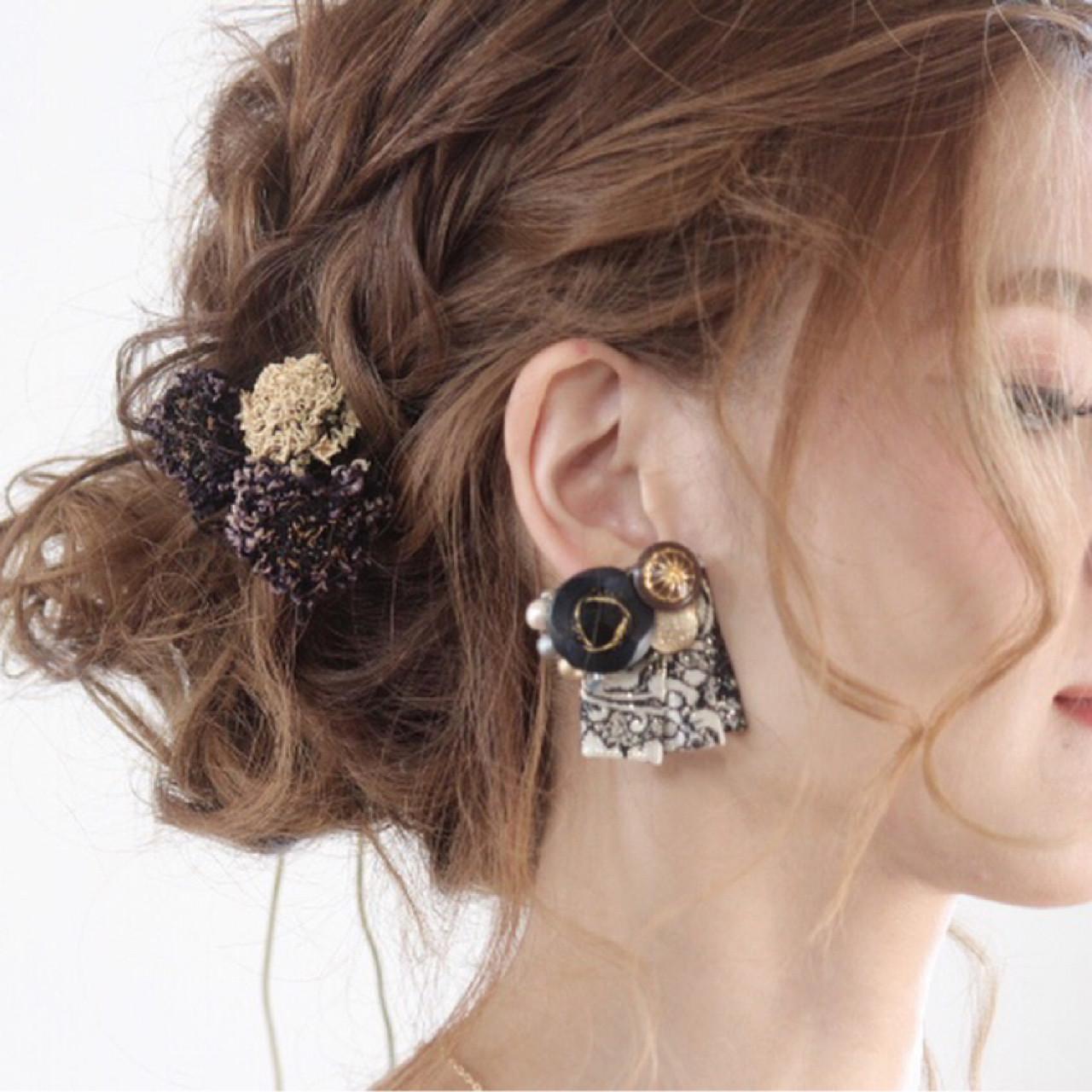 上品 ウェーブ パーティ エレガントヘアスタイルや髪型の写真・画像
