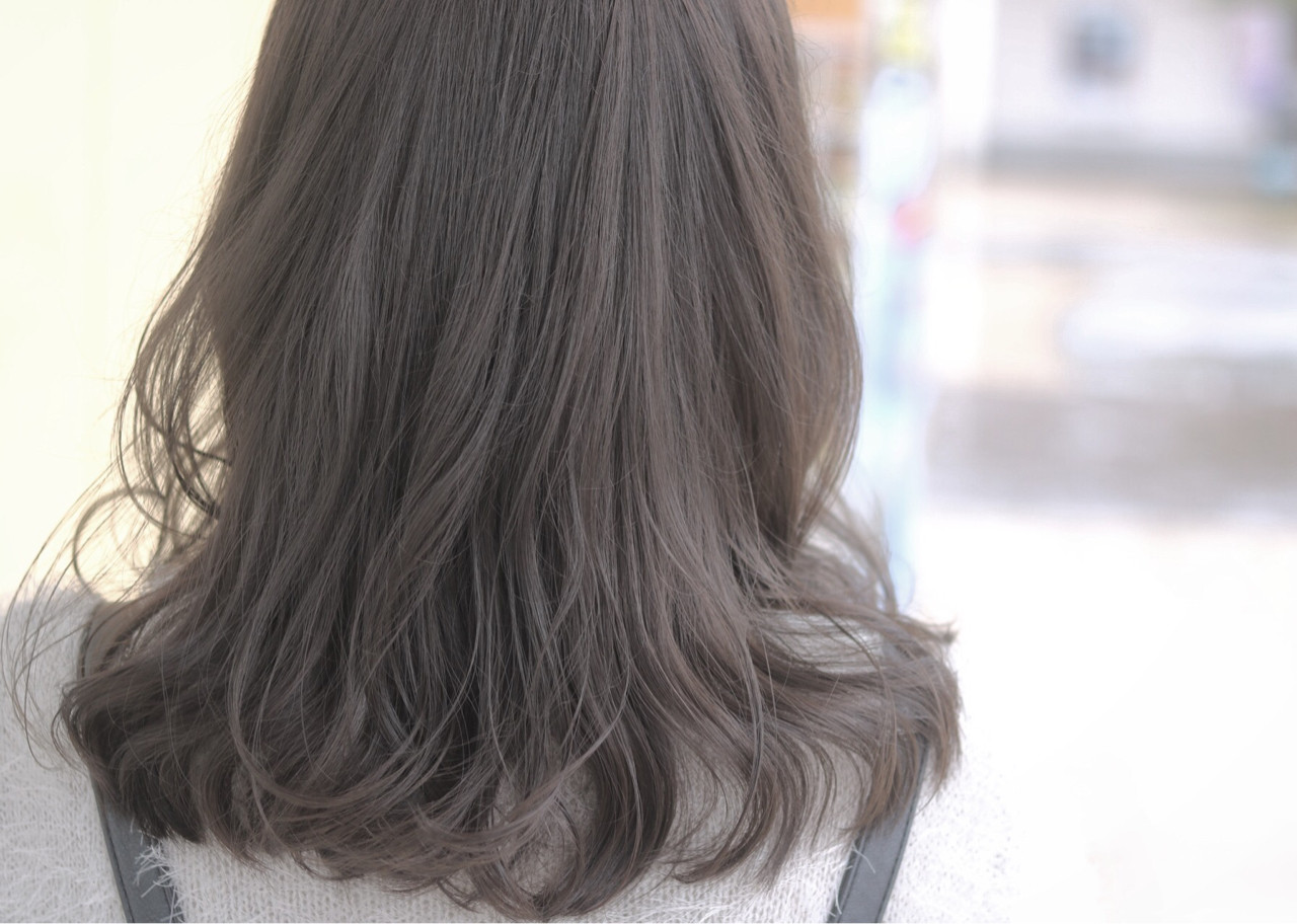 外国人風 グレージュ ゆるふわ ニュアンス ヘアスタイルや髪型の写真・画像   Yuuta Asato / Moana by HEADLIGHT 沖縄東崎店
