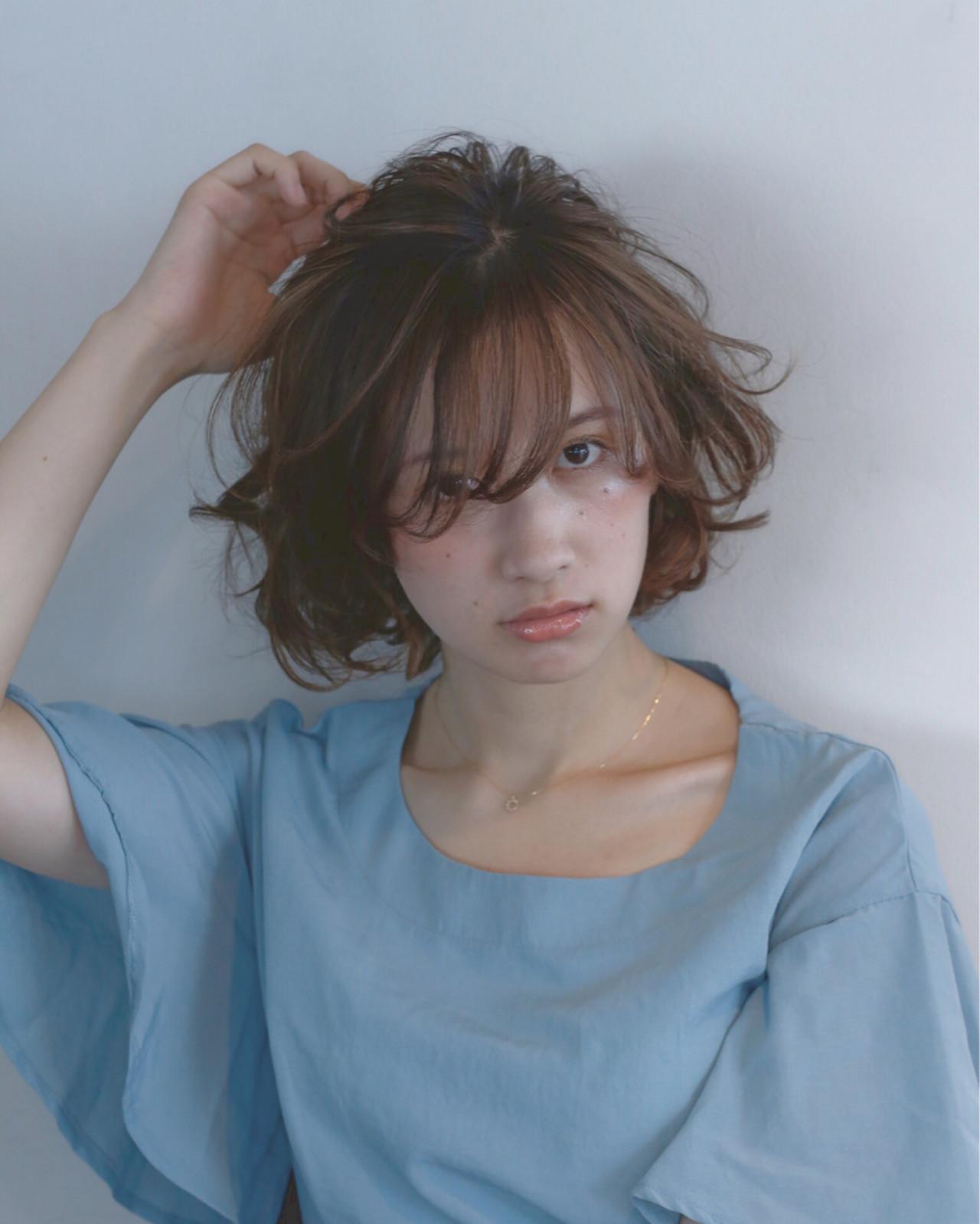 ミディアム 前髪あり パーマ 外国人風 ヘアスタイルや髪型の写真・画像   菅 孝太郎 / andrey