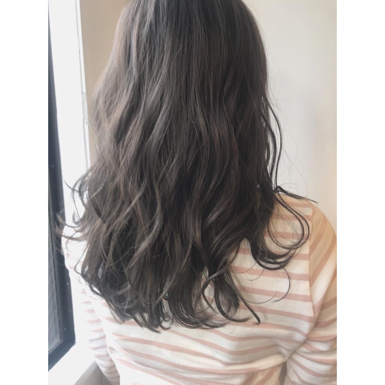 モード アッシュグレージュ アッシュ グレージュヘアスタイルや髪型の写真・画像