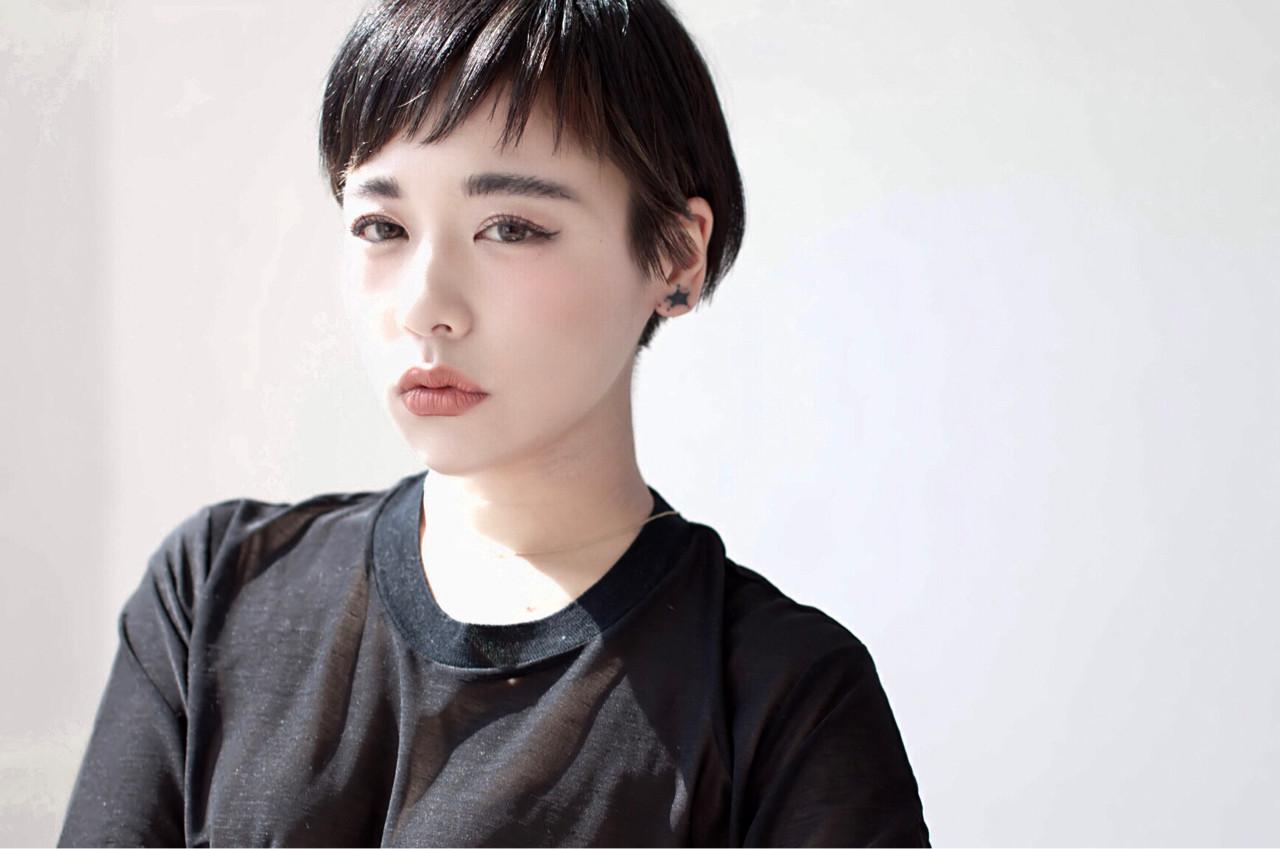 モード 黒髪 大人女子 ショート ヘアスタイルや髪型の写真・画像 | 藤原尚人 / ami[e] / ami[e] アミ 京都 ヘアサロン