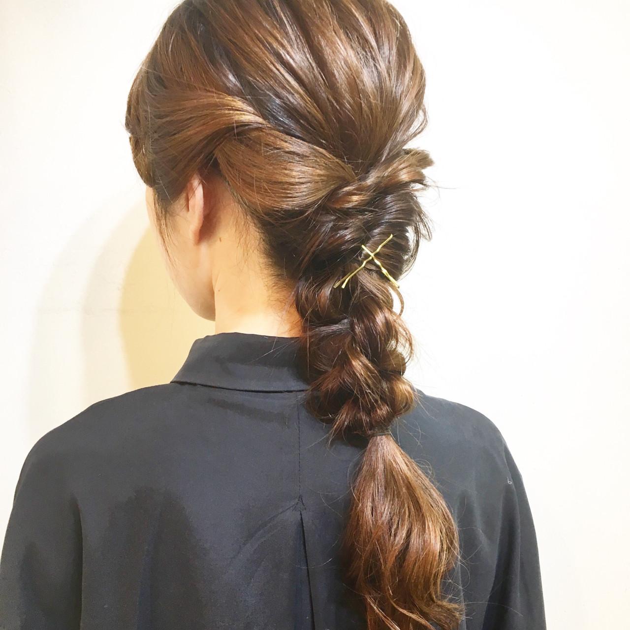 編み込み 簡単ヘアアレンジ ヘアアレンジ セミロングヘアスタイルや髪型の写真・画像