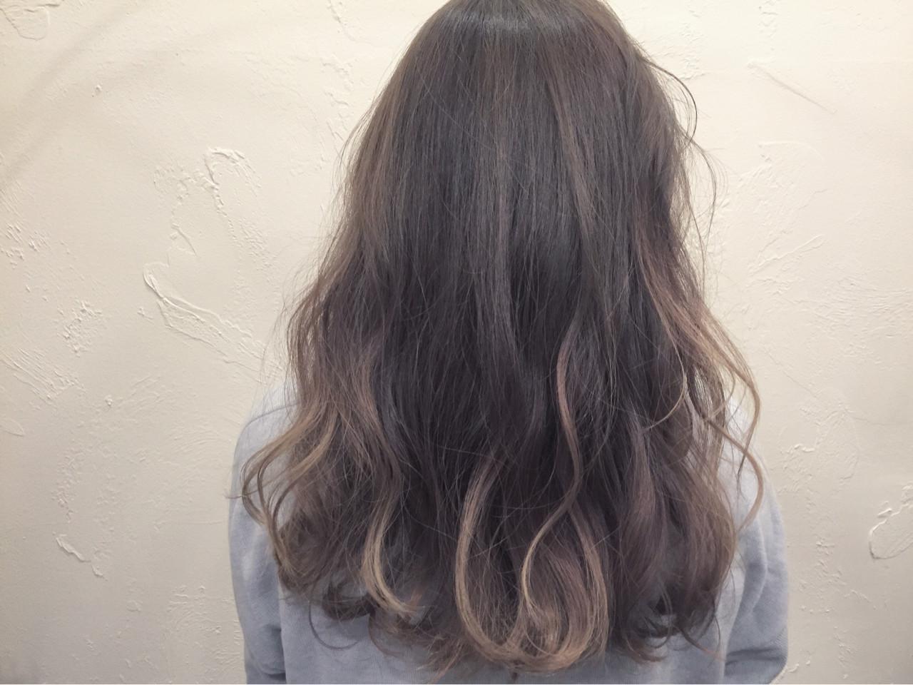 ナチュラル ハイライト グラデーションカラー 外国人風ヘアスタイルや髪型の写真・画像