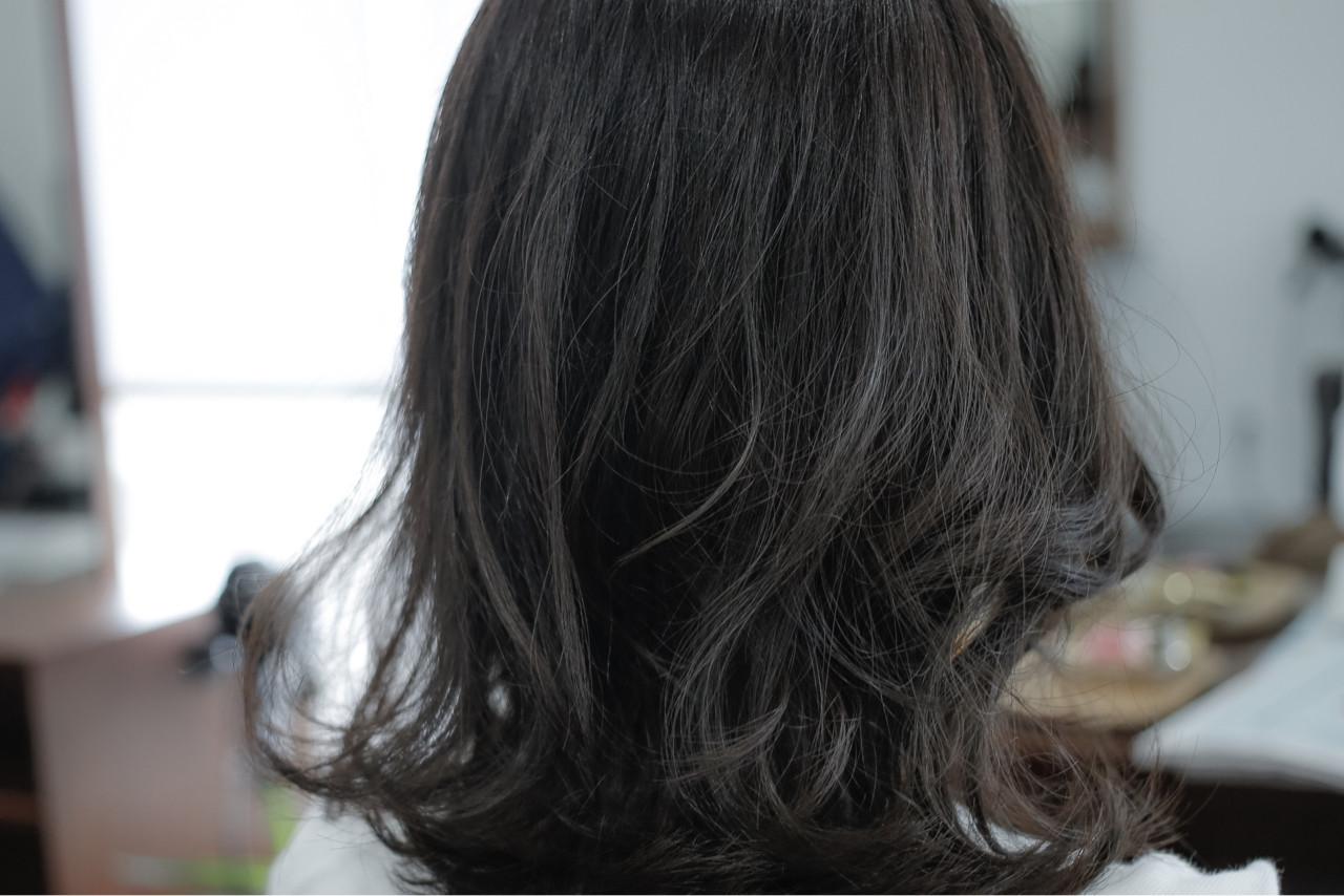 ストリート 暗髪 外国人風 グレージュ ヘアスタイルや髪型の写真・画像 | 小笠原 淳 / hair make No.8(ヘアメイクエイト)