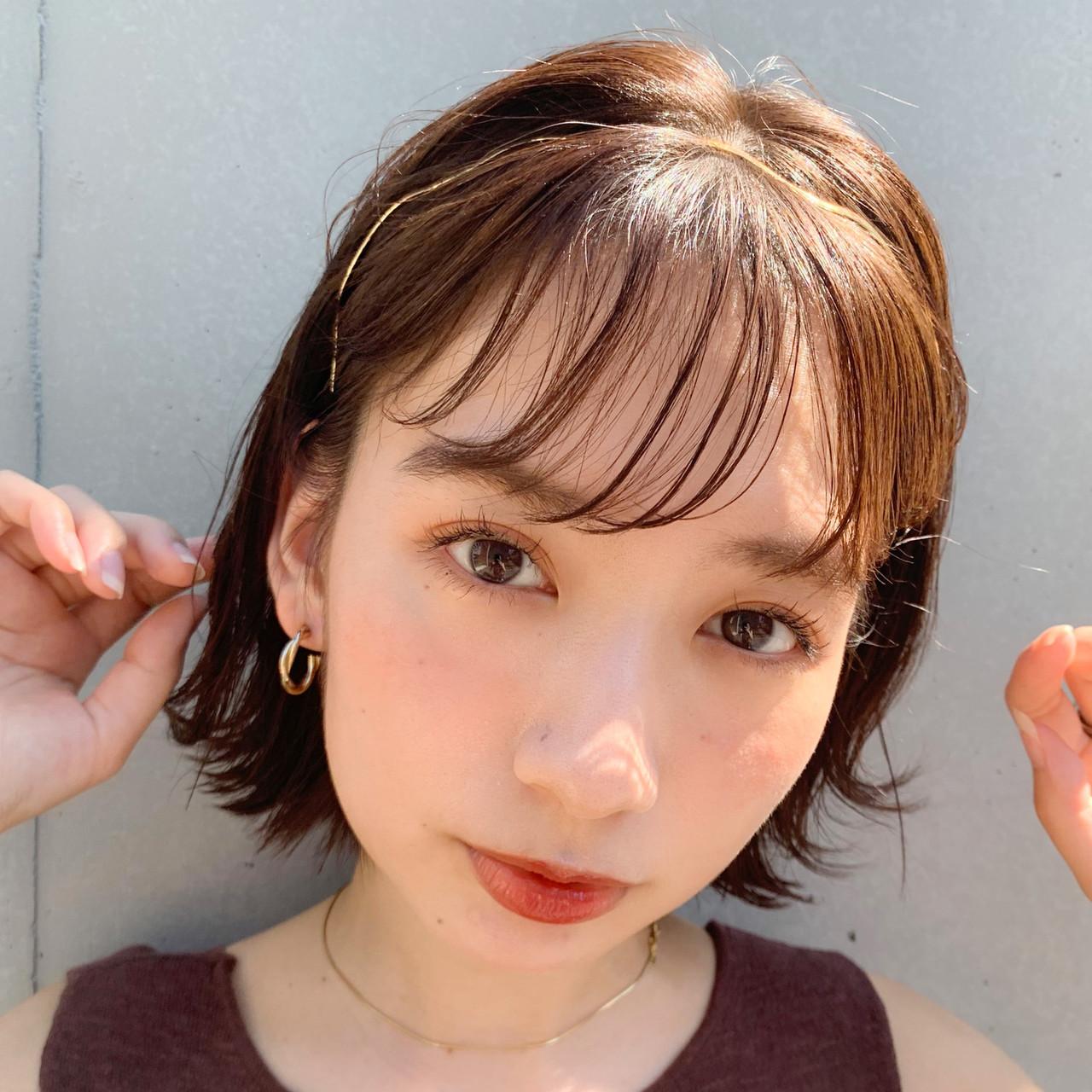 インナーカラーグレージュ 外国人風カラー ミディアムヘアー ミニボブ ヘアスタイルや髪型の写真・画像