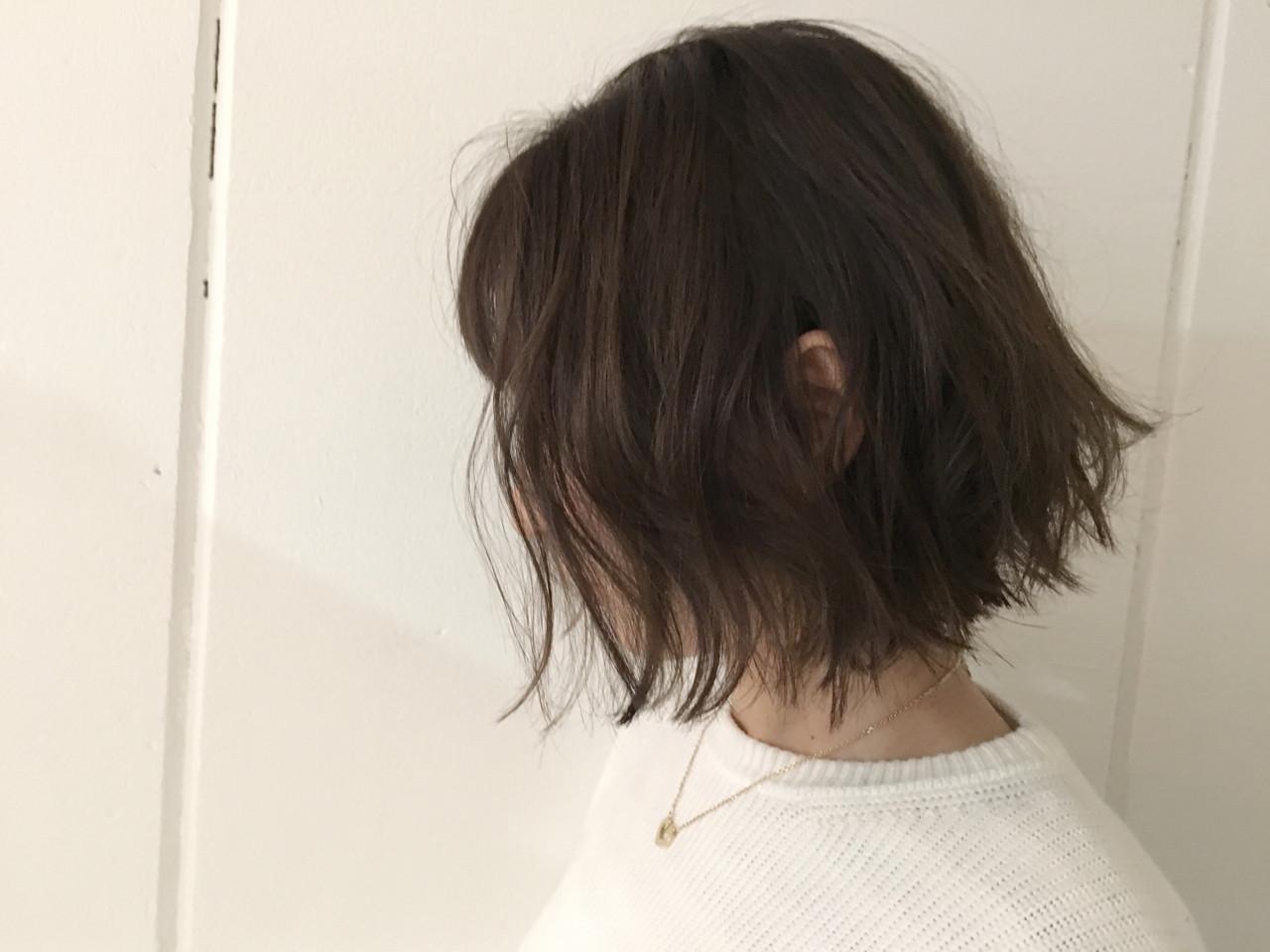 外ハネ 抜け感 ボブ アッシュヘアスタイルや髪型の写真・画像