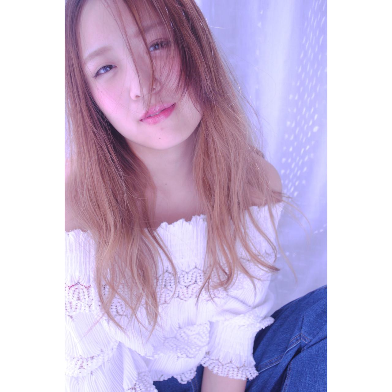 アンニュイ ウェーブ 大人女子 外国人風 ヘアスタイルや髪型の写真・画像   野中 由貴 / owlhair