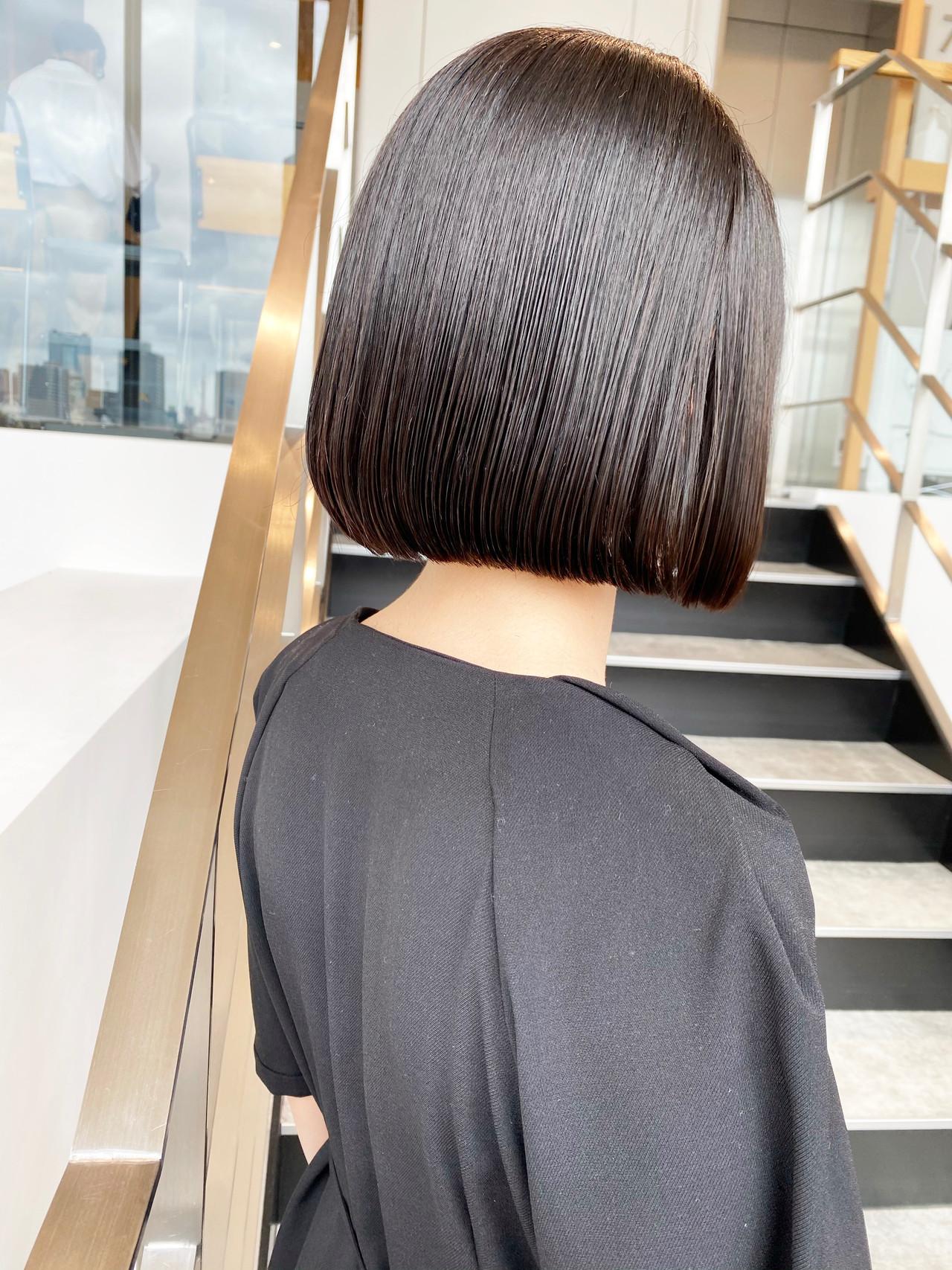 ダークグレー 切りっぱなしボブ グレージュ ショートボブ ヘアスタイルや髪型の写真・画像 | 日野 達也 / GO TODAY  SHAiRE SALON