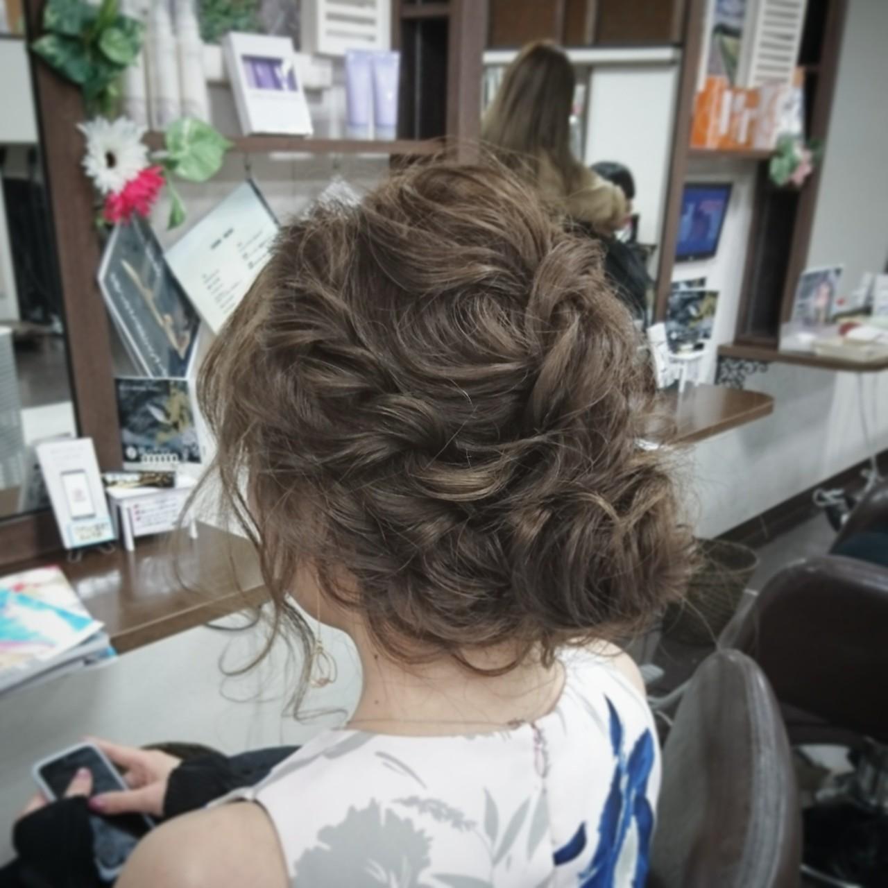 ゆるふわ 結婚式 ヘアアレンジ フェミニンヘアスタイルや髪型の写真・画像
