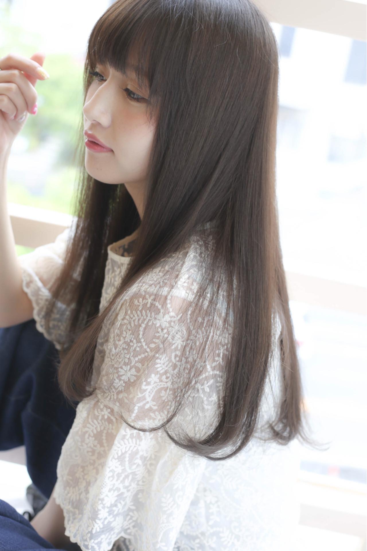 ストレート 秋 ロング フェミニン ヘアスタイルや髪型の写真・画像 | 吉田隼人 / GALLARIA elegante本山店