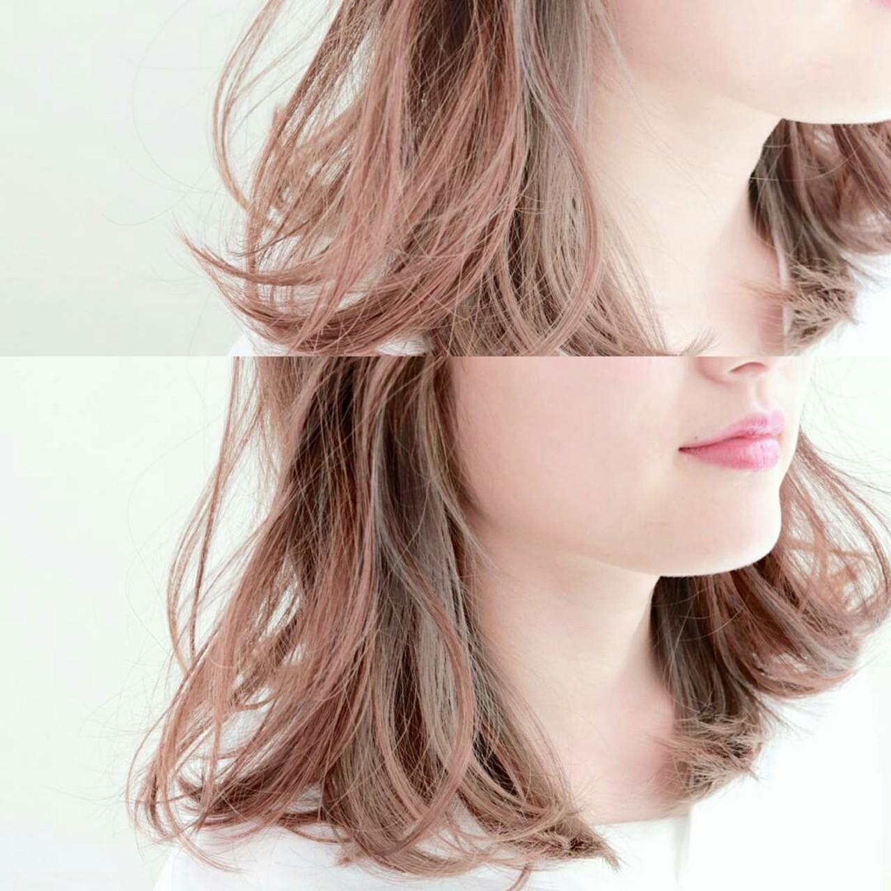 ミディアム インナーカラー アッシュ グラデーションカラーヘアスタイルや髪型の写真・画像