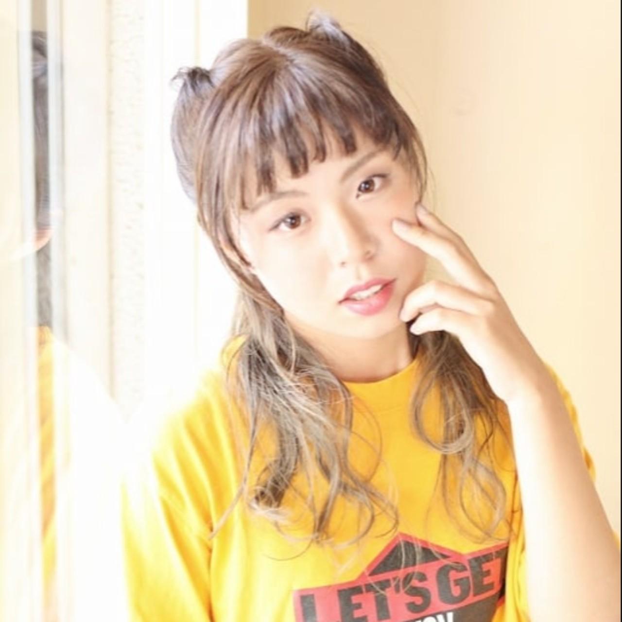 ロープ編み セミロング グラデーションカラー 猫耳 ヘアスタイルや髪型の写真・画像